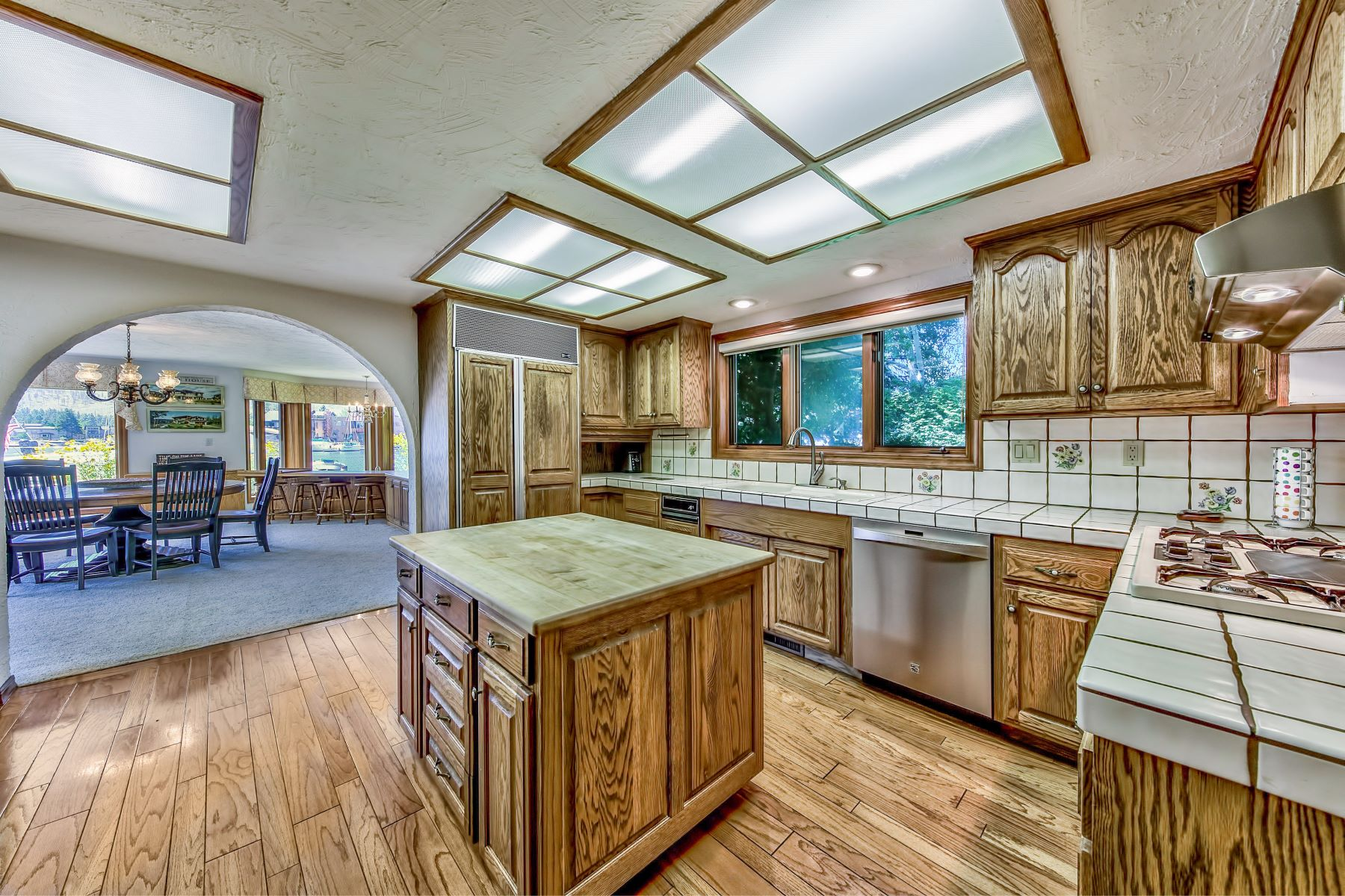 Additional photo for property listing at 2144 White Sands Drive, South Lake Tahoe, CA 96150 2144 White Sands Drive South Lake Tahoe, California 96150 United States