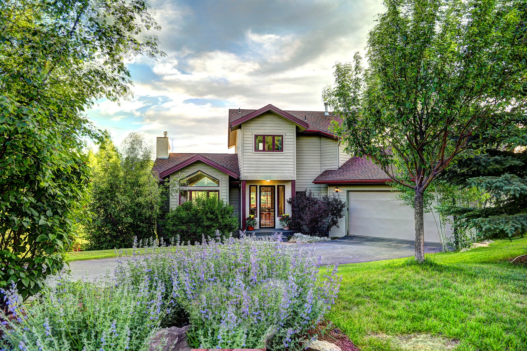 Single Family Home for Active at Peaceful Vail Valley Retreat Perched On A Quiet Cul-de-Sac 33 Lindsay Trail Edwards, Colorado 81632 United States
