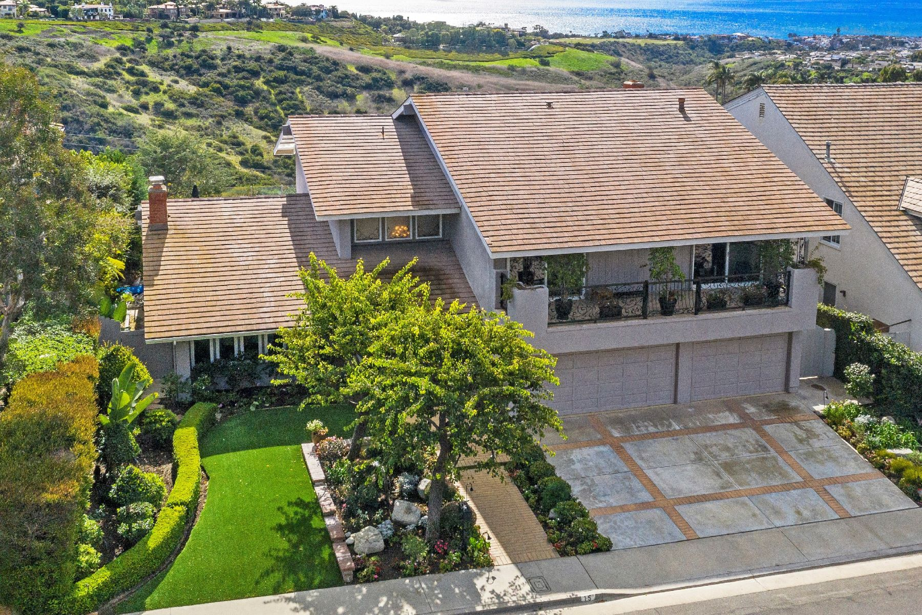 Other Residential Homes for Active at 15 San Mateo Way Corona Del Mar, California 92625 United States