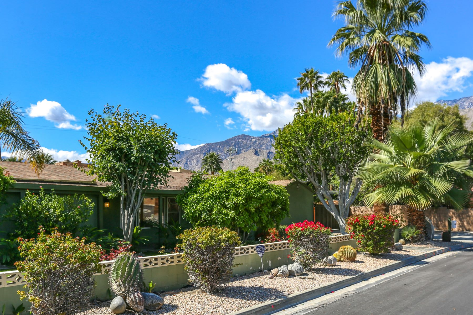 Single Family Homes for Sale at 2029 E Paseo Gracia Palm Springs, California 92264 United States