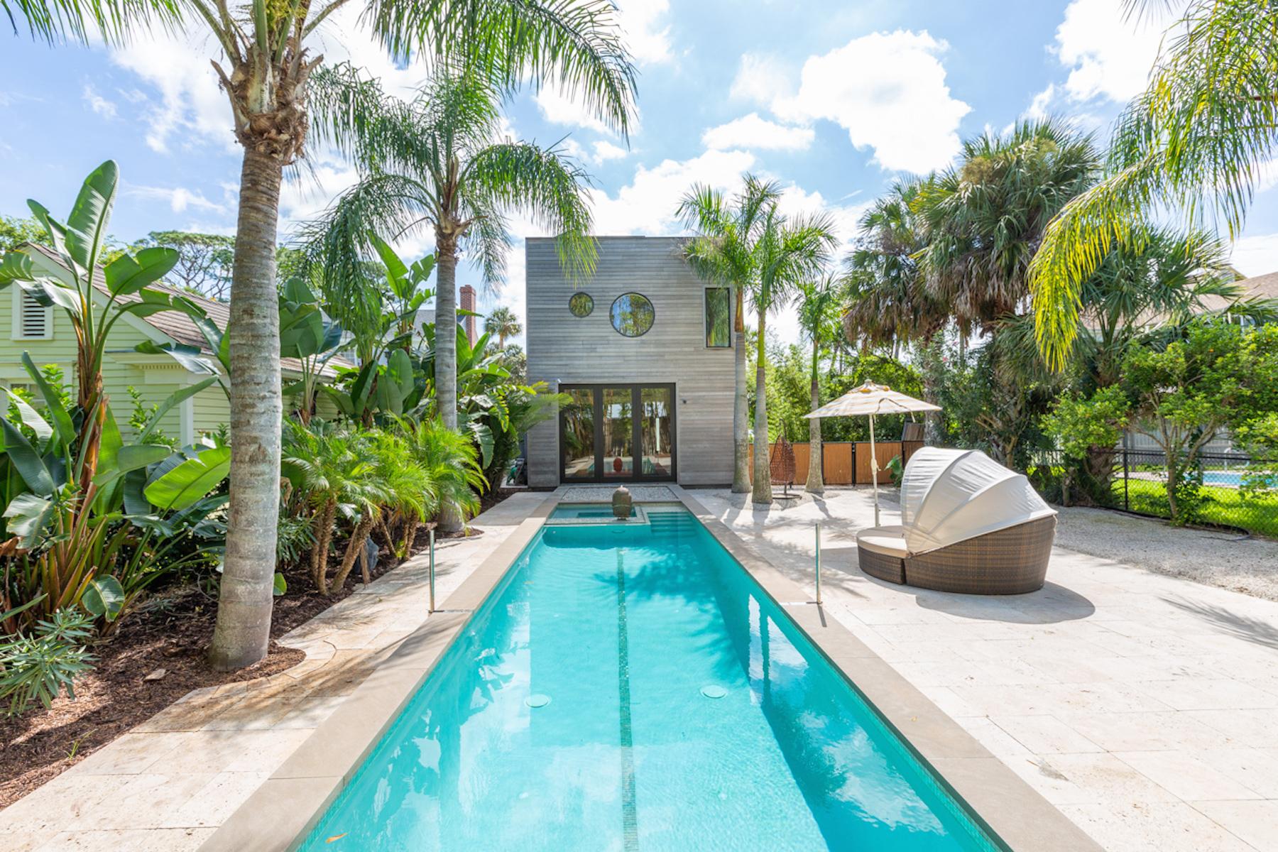 Maison unifamiliale pour l Vente à 68 Water Street 68 Water Street St. Augustine, Florida 32084 États-Unis