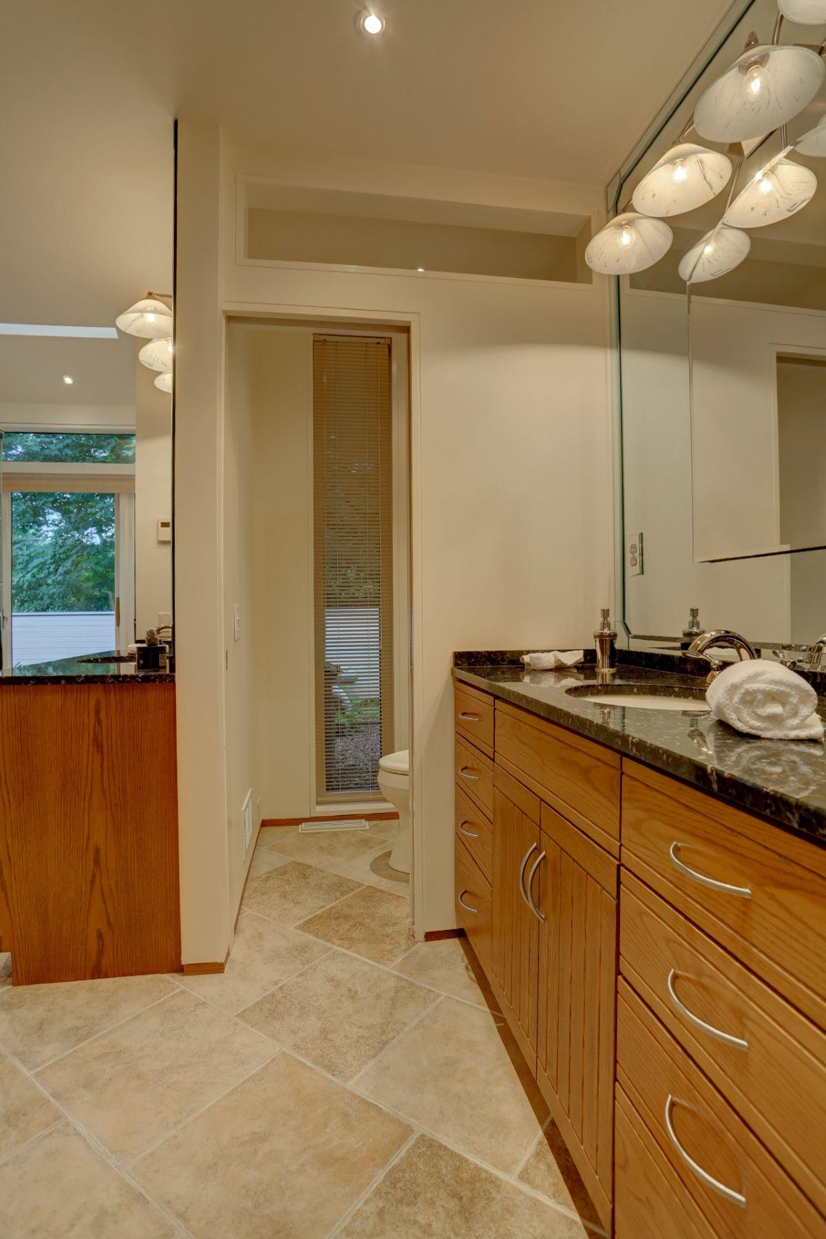 Additional photo for property listing at 193 Eshelman Road  Lancaster, Pennsylvania 17601 United States