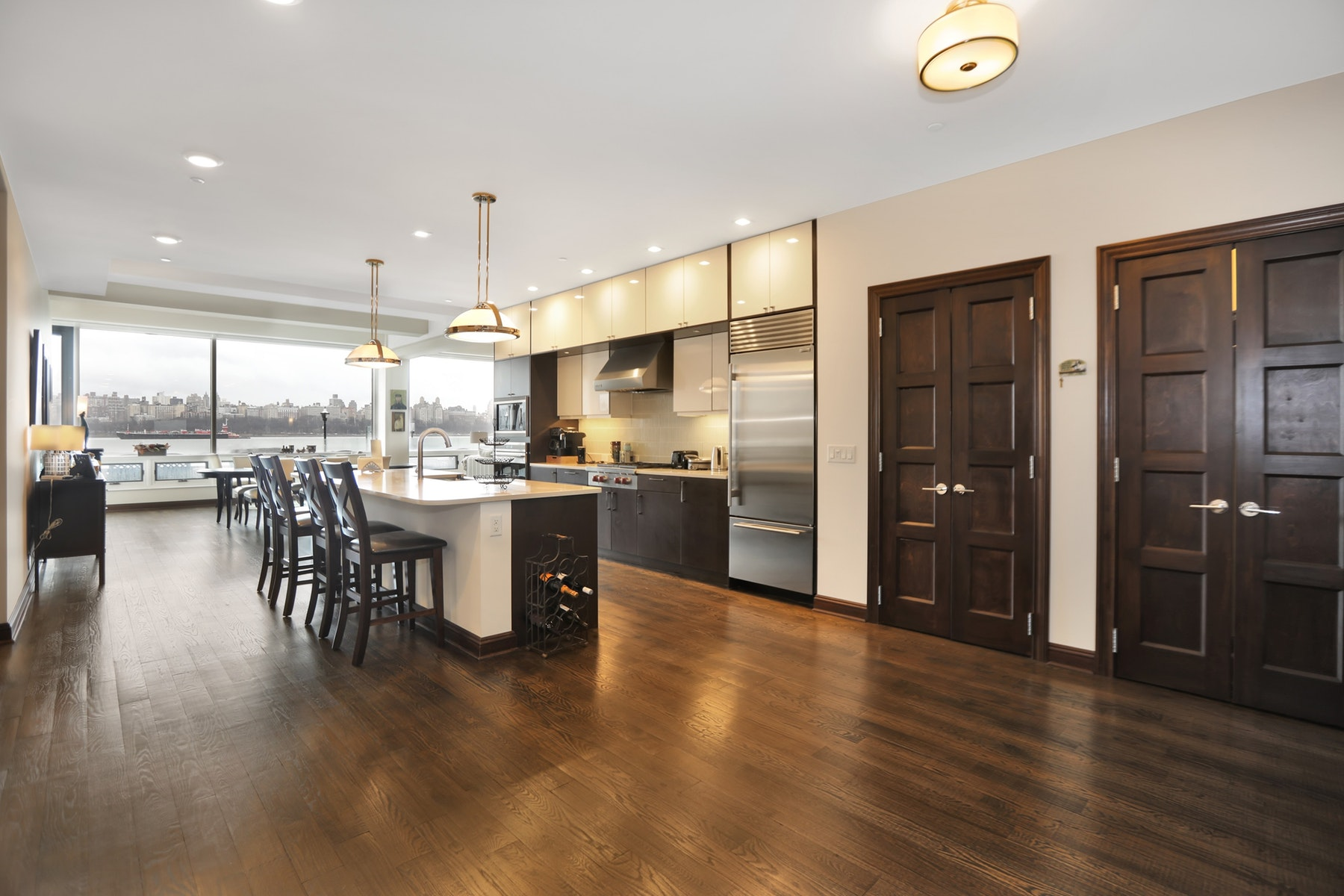 Condominiums vì Bán tại The Pearl 9 Somerset Lane #108-109, Edgewater, New Jersey 07020 Hoa Kỳ