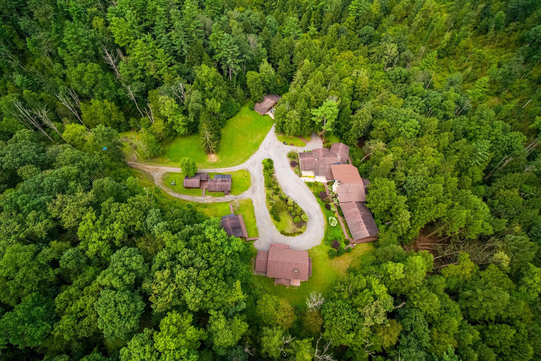 Single Family Homes por un Venta en Tionesta Lodge on 223 Acres 1011 Taylor Road Tionesta, Pennsylvania 16353 Estados Unidos