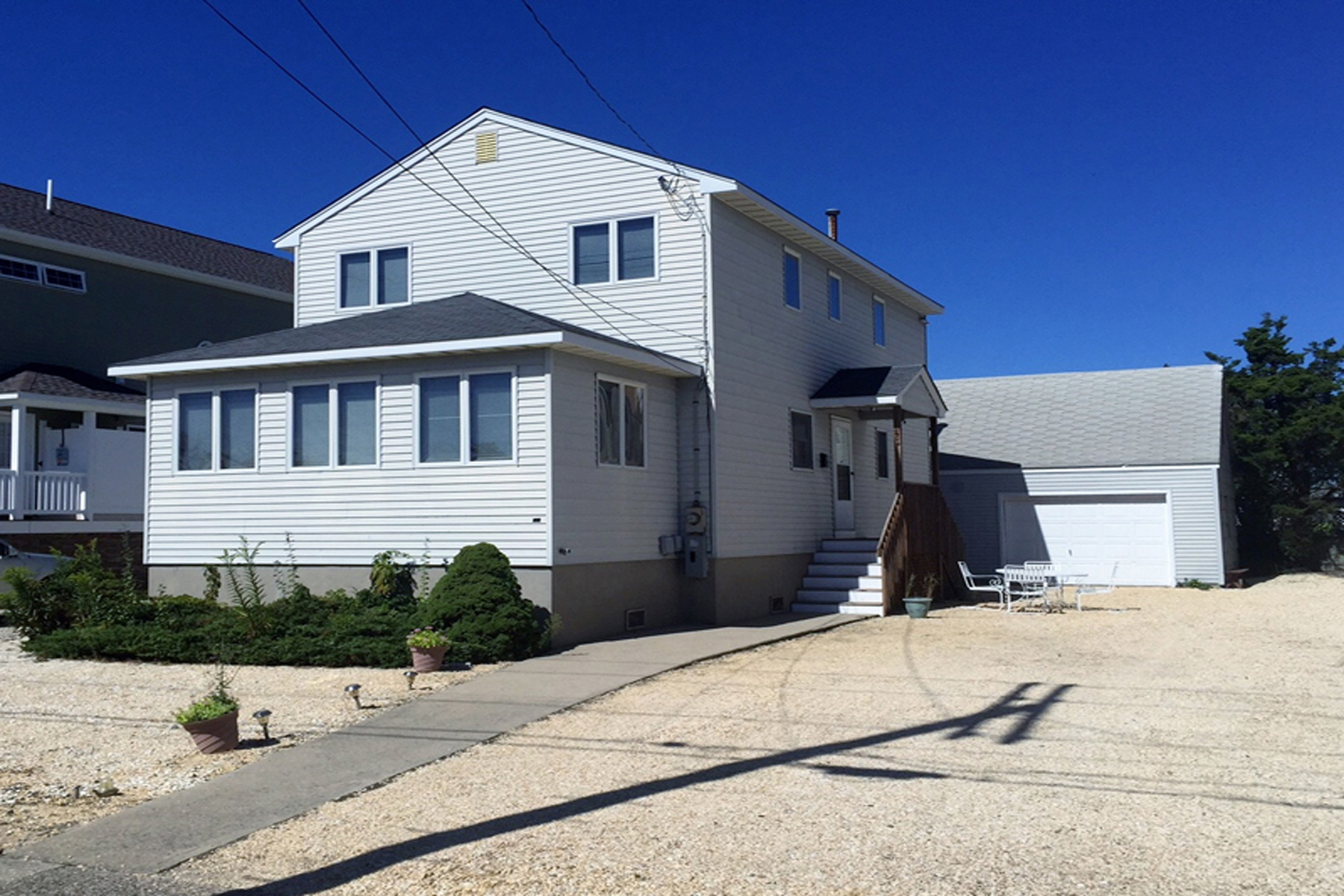 Maison unifamiliale pour l Vente à Well-Built Custom Home 204 12th Avenue Seaside Park, New Jersey, 08752 États-Unis