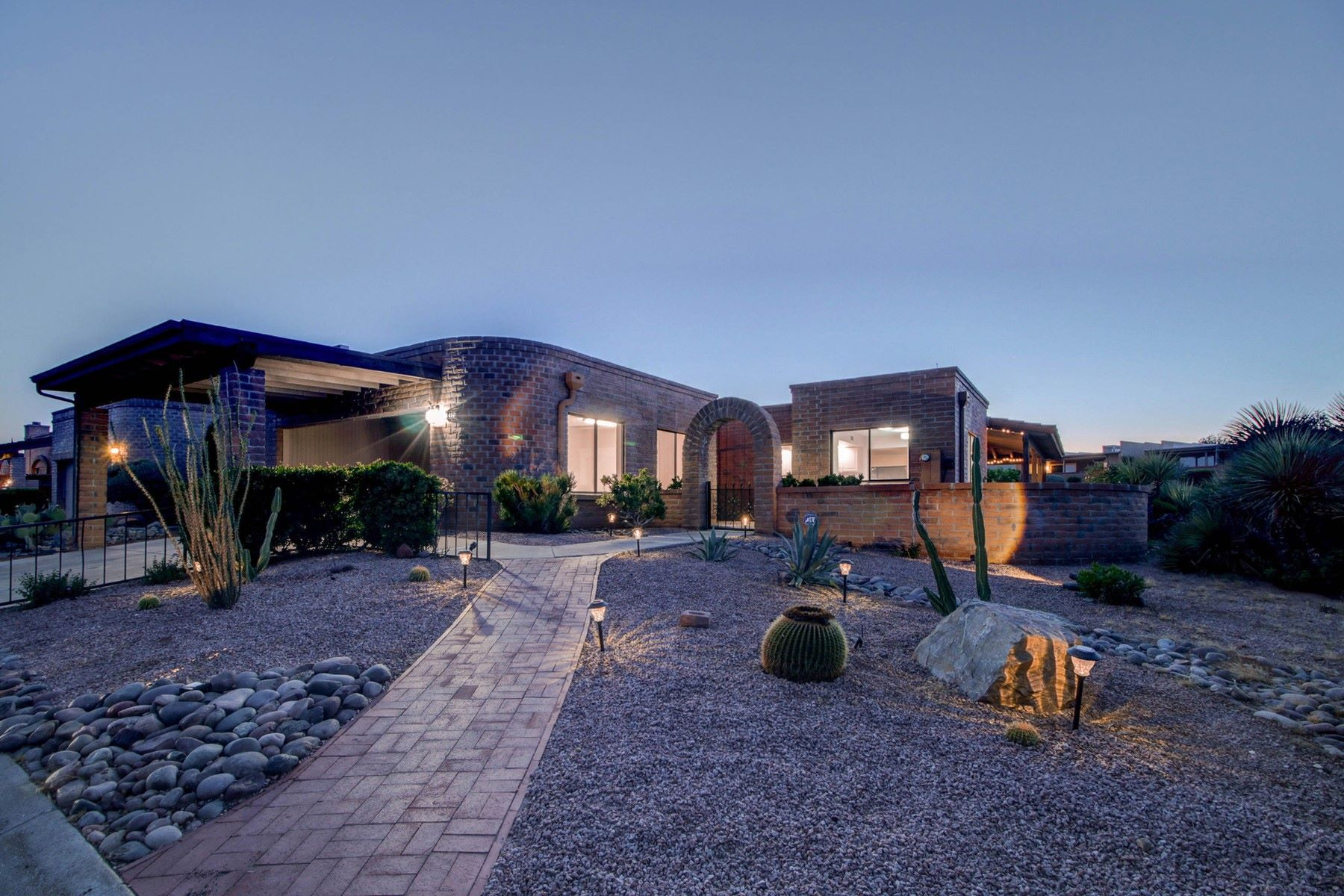 Single Family Homes for Active at Green Valley Southwest 1450 W Via De Roma Green Valley, Arizona 85622 United States