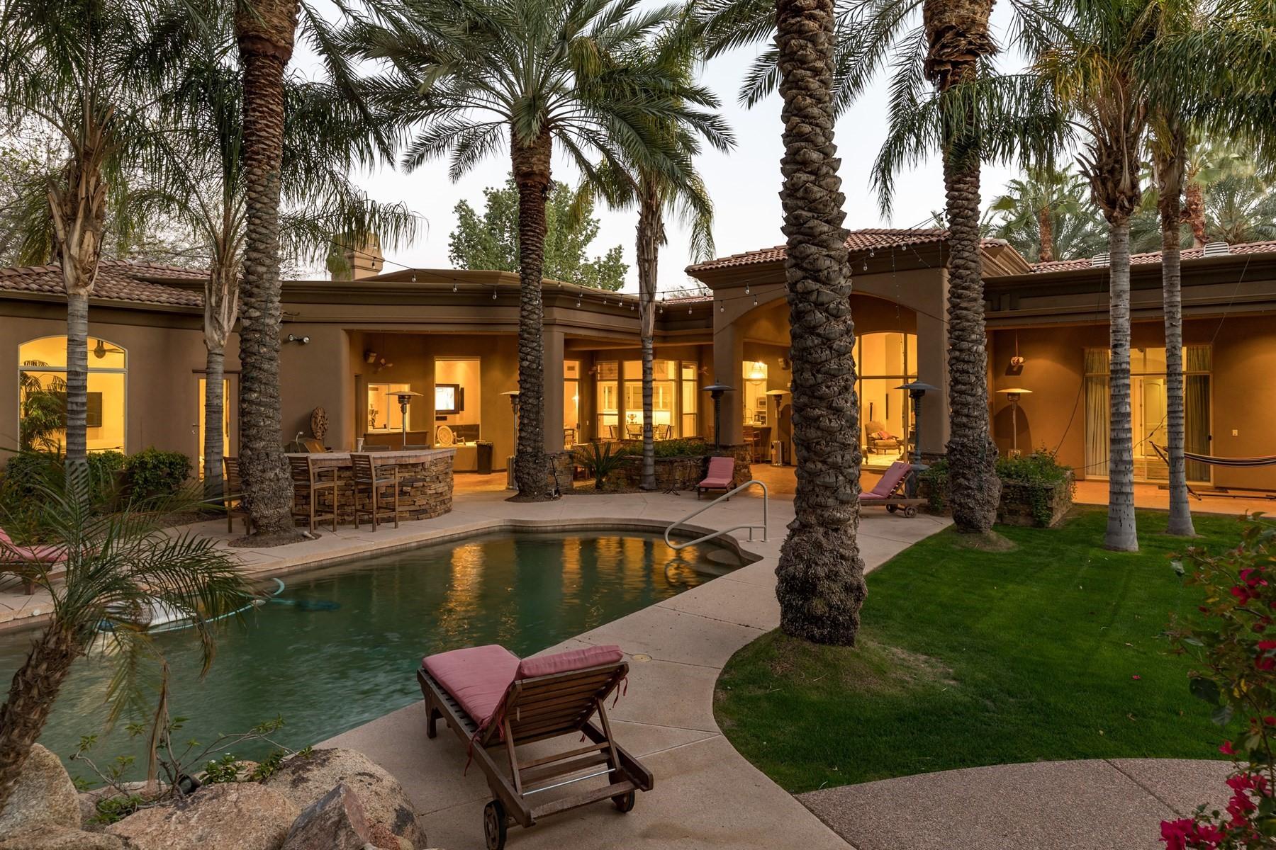 Casa para uma família para Venda às Exquisite and fully remodeled masterpiece in prestigious gated Cheney Place 7407 N 71st Pl Paradise Valley, Arizona, 85253 Estados Unidos