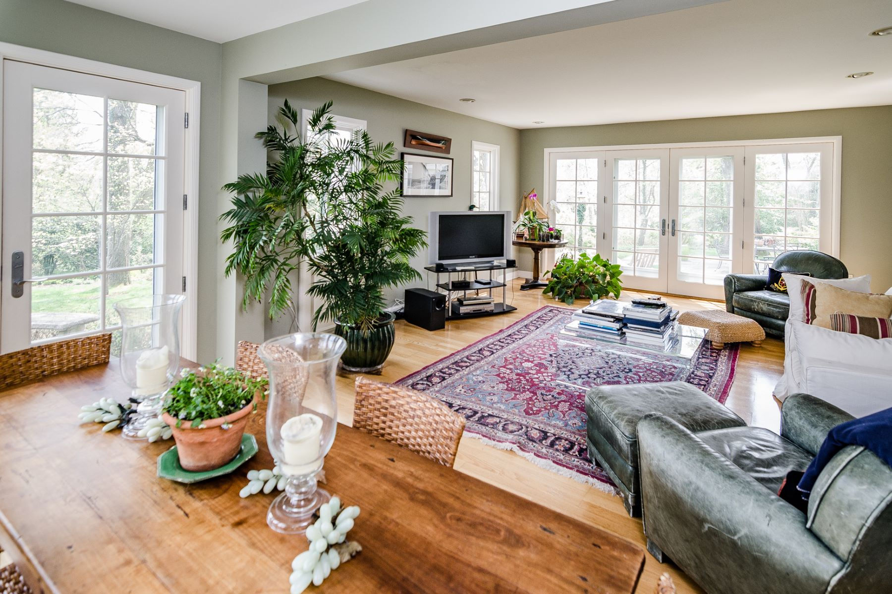Additional photo for property listing at Distinguished Institute Home with Terraced Gardens 96 Battle Road, Princeton, New Jersey 08540 United States