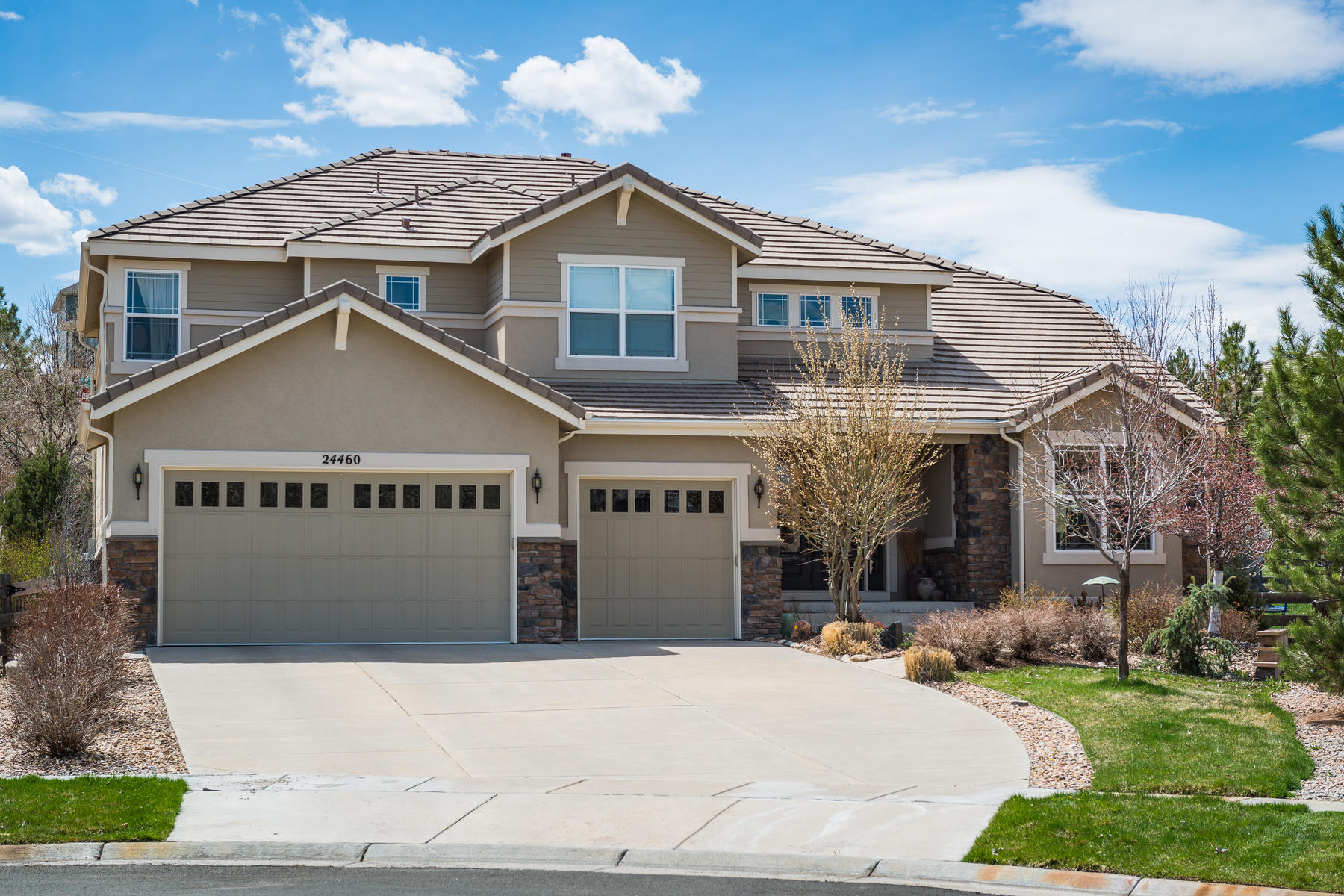 Single Family Homes for Sale at Amazing Semi-Custom Home in Highly Sought After Tallyn's Reach 24460 E Moraine Place Aurora, Colorado 80016 United States