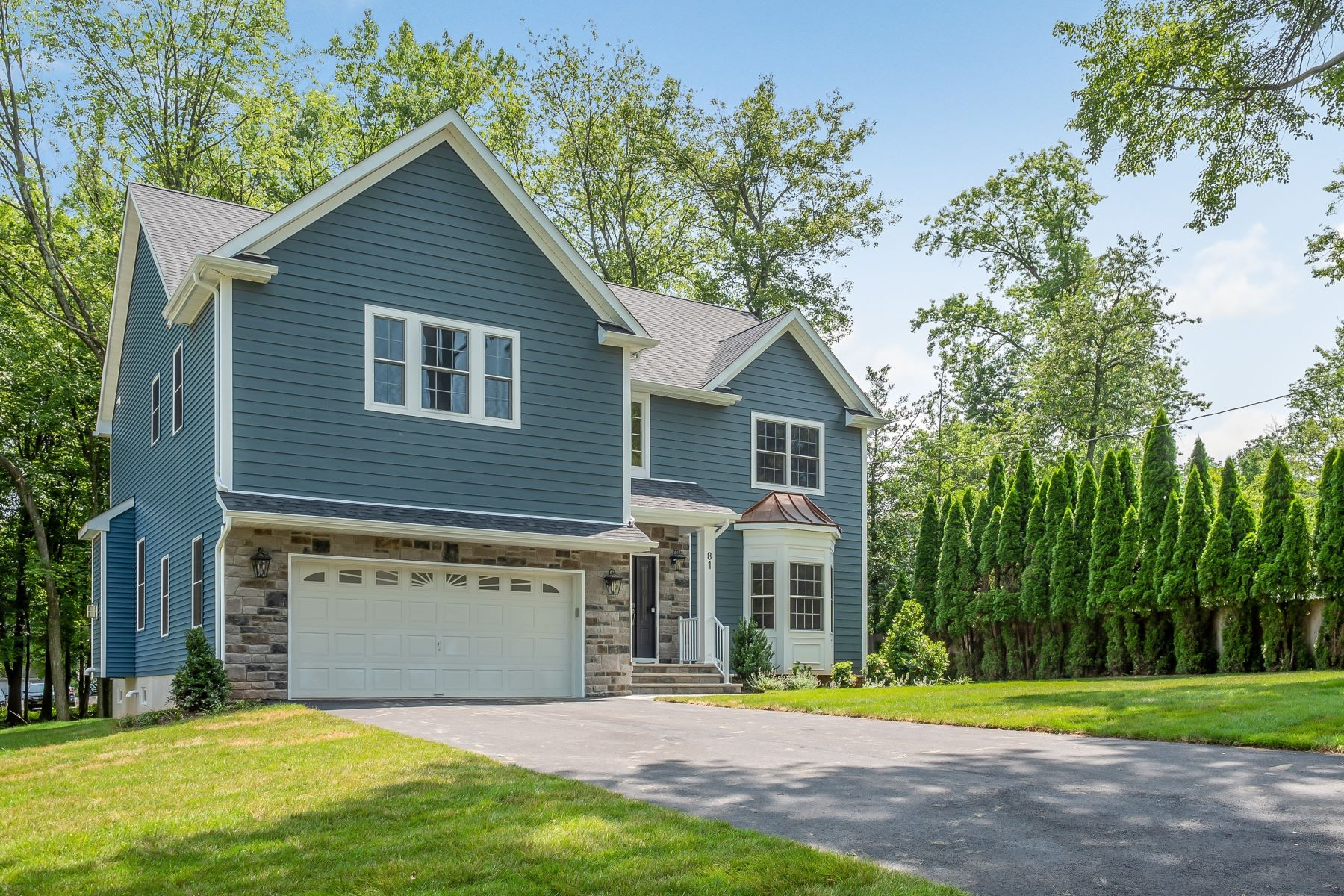 Single Family Homes for Sale at New Construction. Commuters Dream 81 Bolton Blvd Berkeley Heights, New Jersey 07922 United States