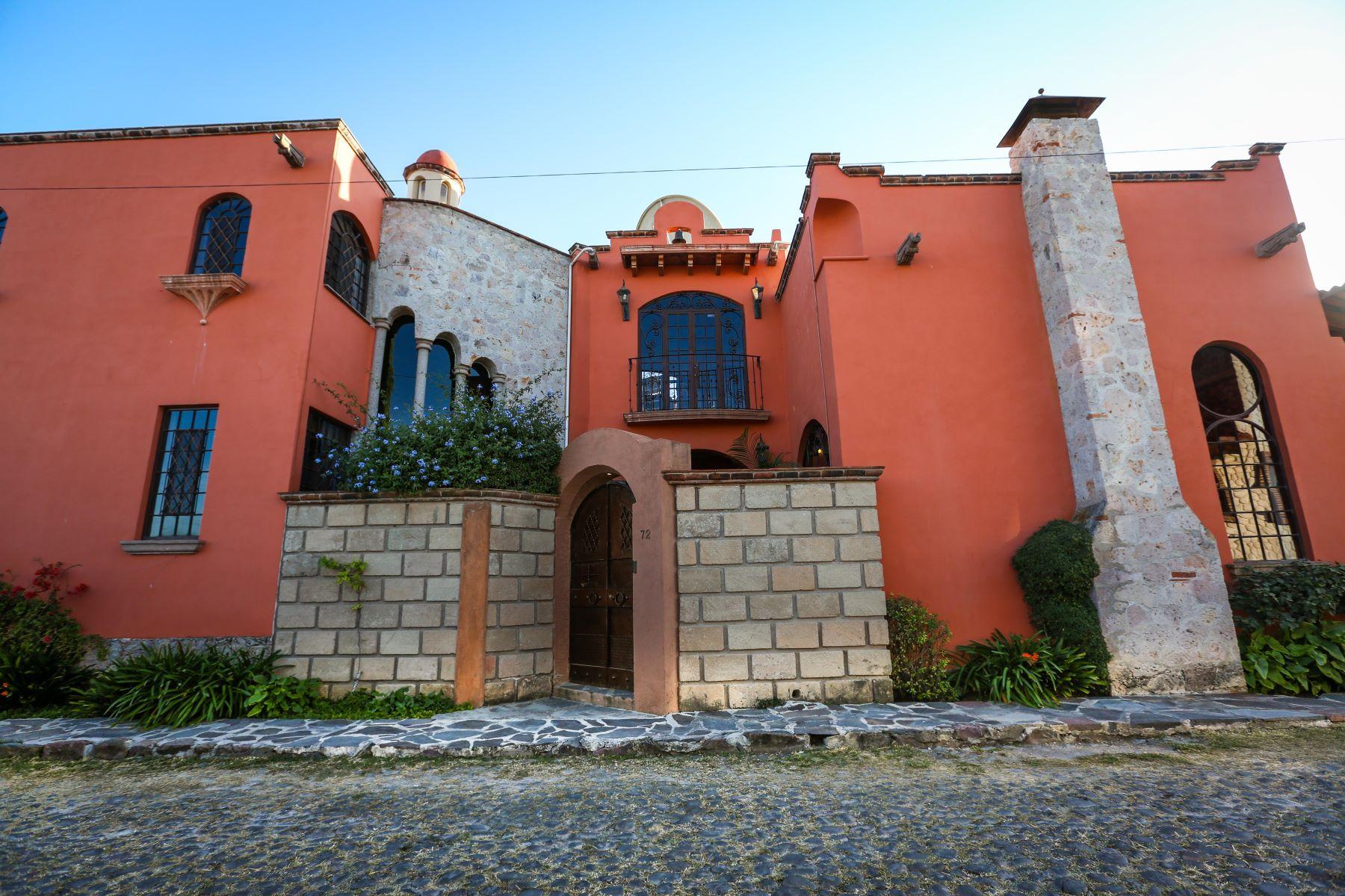 一戸建て のために 売買 アット Casa Encantador Avenida Fray Juan de San Miguel 72, San Miguel De Allende, Guanajuato, 37790 メキシコ