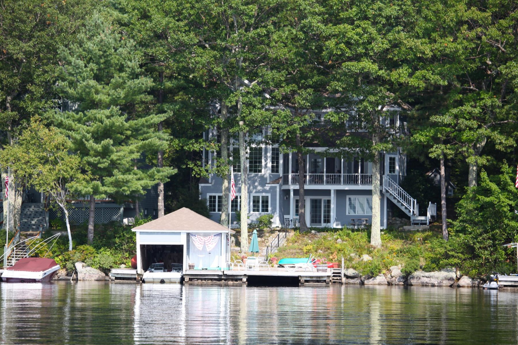 Single Family Home for Sale at Lake Sunapee Property 5 Bay Point Landing Newbury, New Hampshire 03255 United States