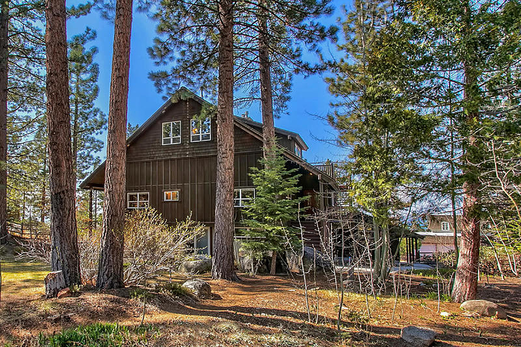 Additional photo for property listing at 3802 Lucinda Court, South Lake Tahoe, CA 96150 3802 Lucinda Court South Lake Tahoe, California 96150 United States