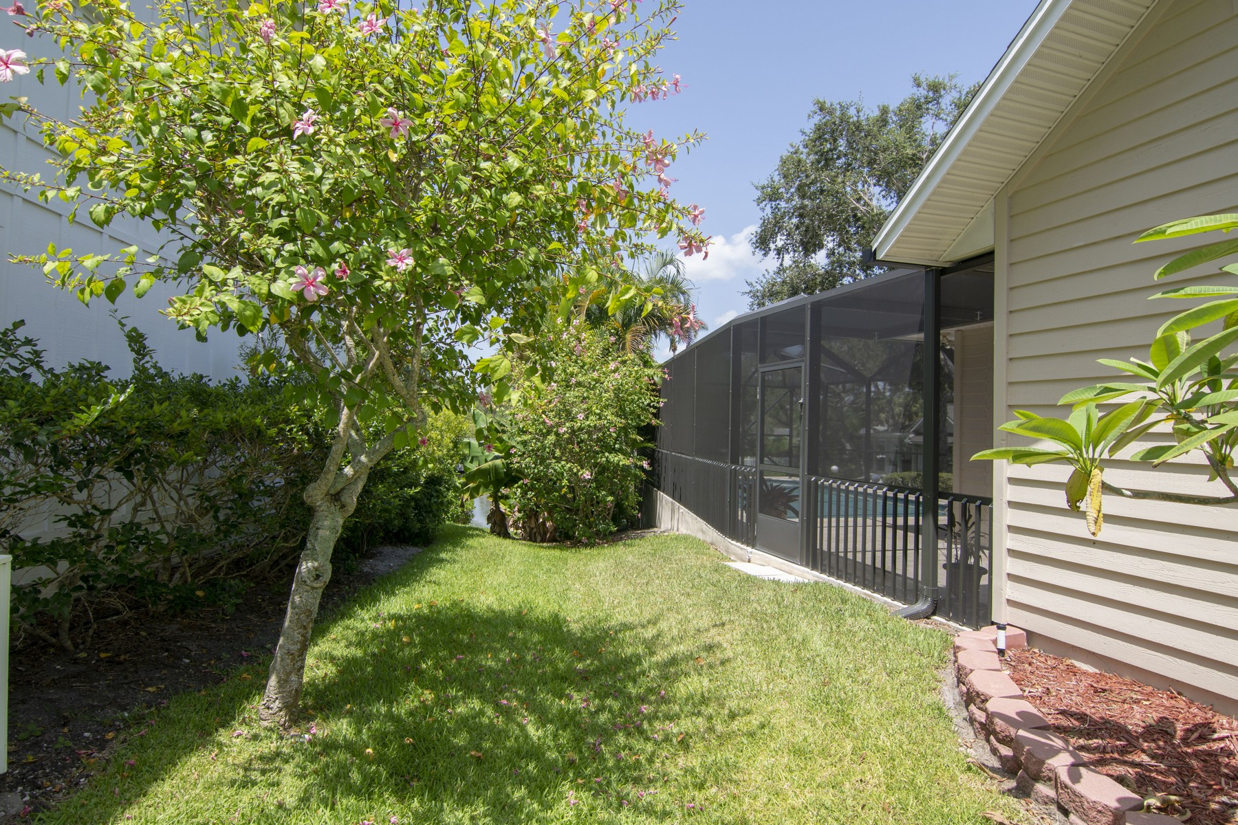 Additional photo for property listing at Private Dock, Private Pool, Owner Financing Available 5125 Tradewinds Dr Vero Beach, Florida 32963 United States