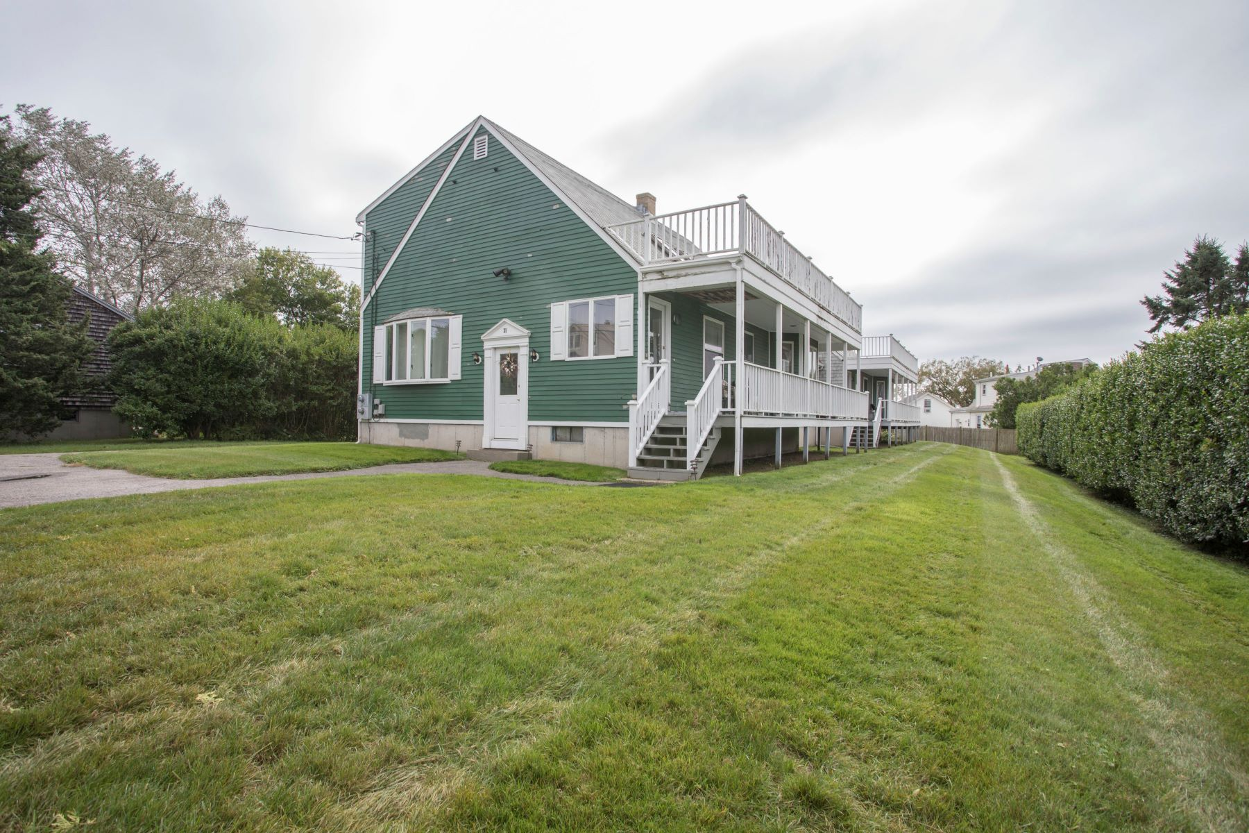 Additional photo for property listing at Easton Beach 31 35 Briarwood Avenue Middletown, Rhode Island 02842 United States