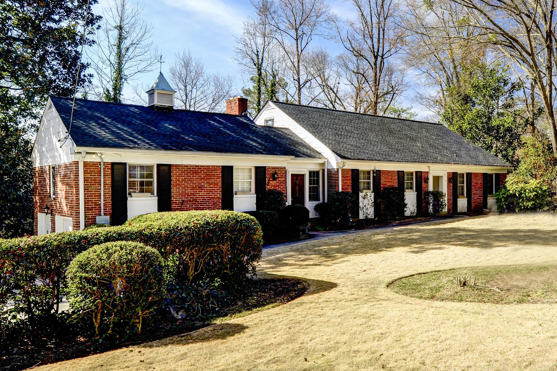 獨棟家庭住宅 為 出售 在 Spacious Buckhead Ranch 1080 Peachtree Battle Avenue NW Buckhead, Atlanta, 喬治亞州, 30327 美國
