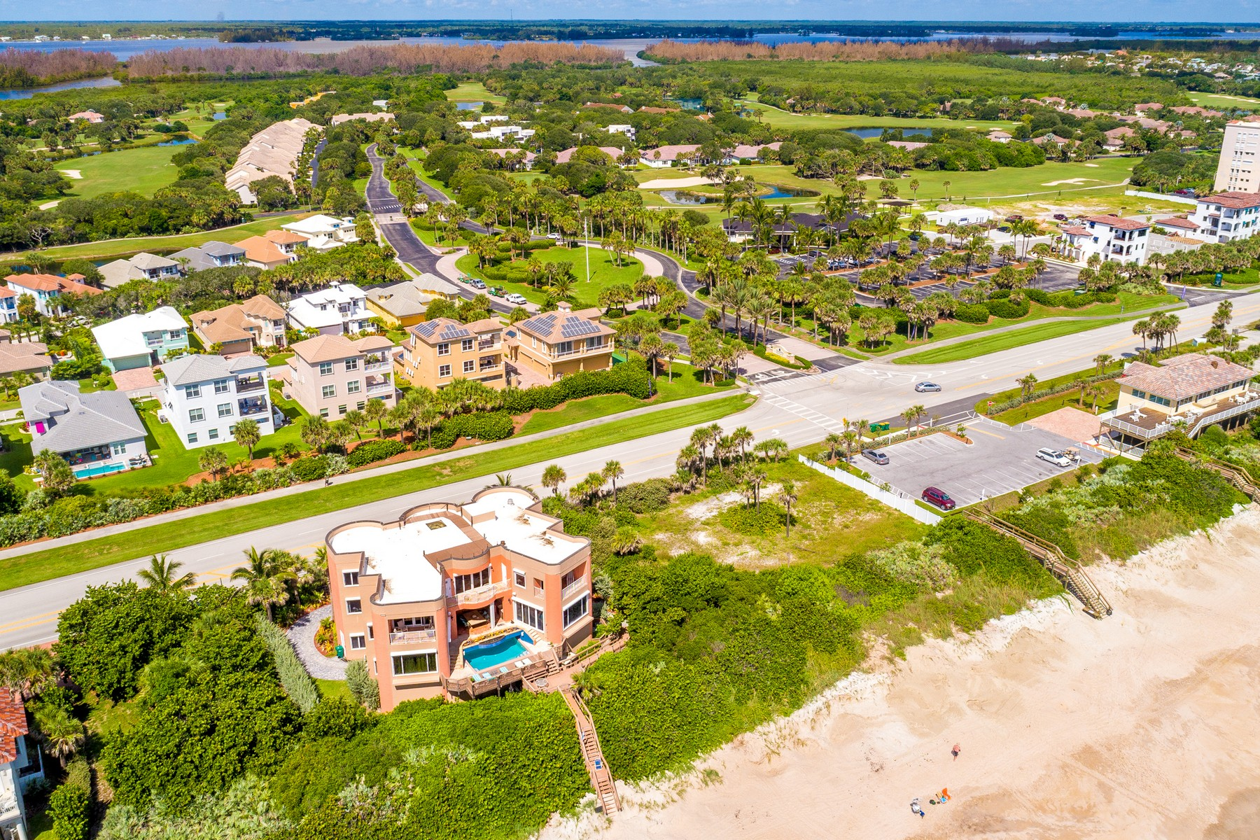 Additional photo for property listing at Oceanfront Castle! 7525 Highway A1A Melbourne Beach, Флорида 32951 Соединенные Штаты