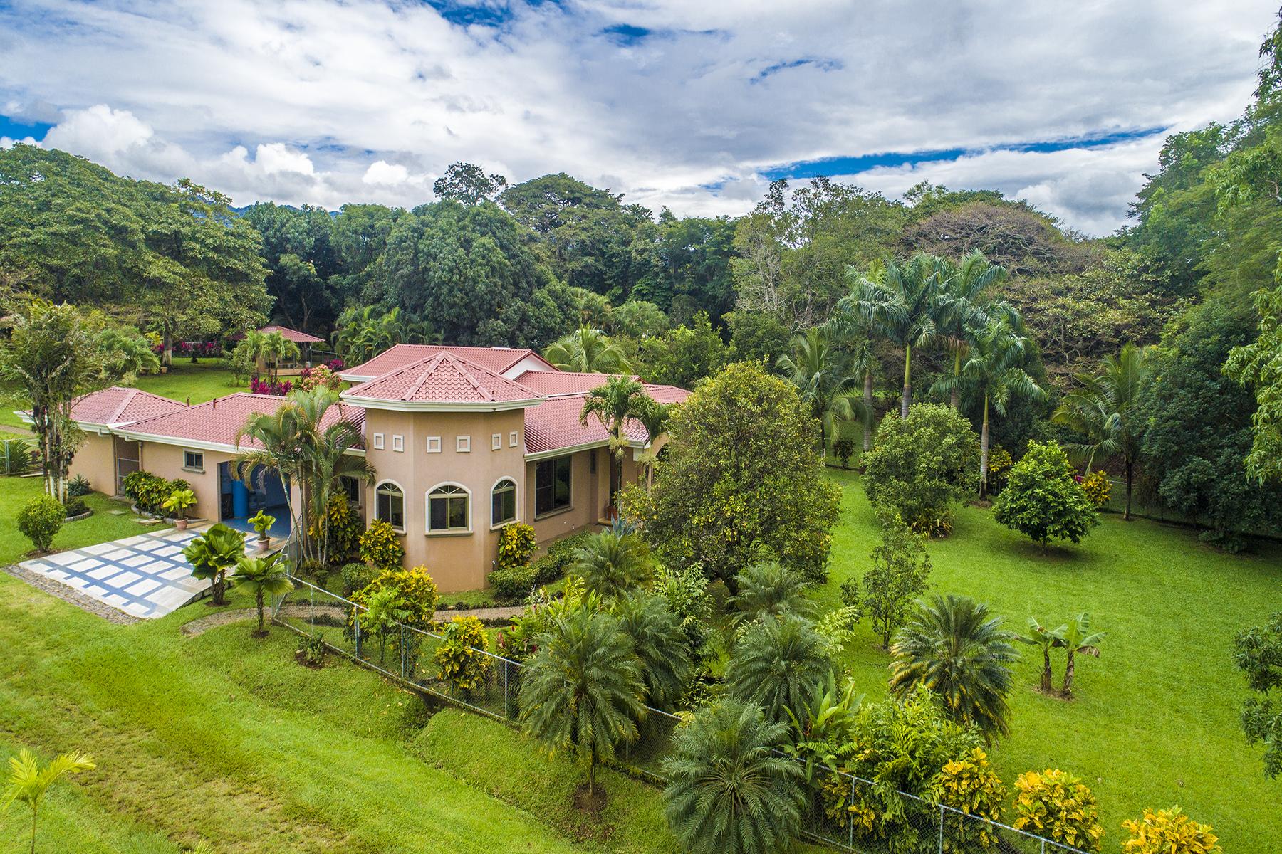 Multi-Family Homes por un Venta en Villa San Mateo Orotina, Alajuela Costa Rica