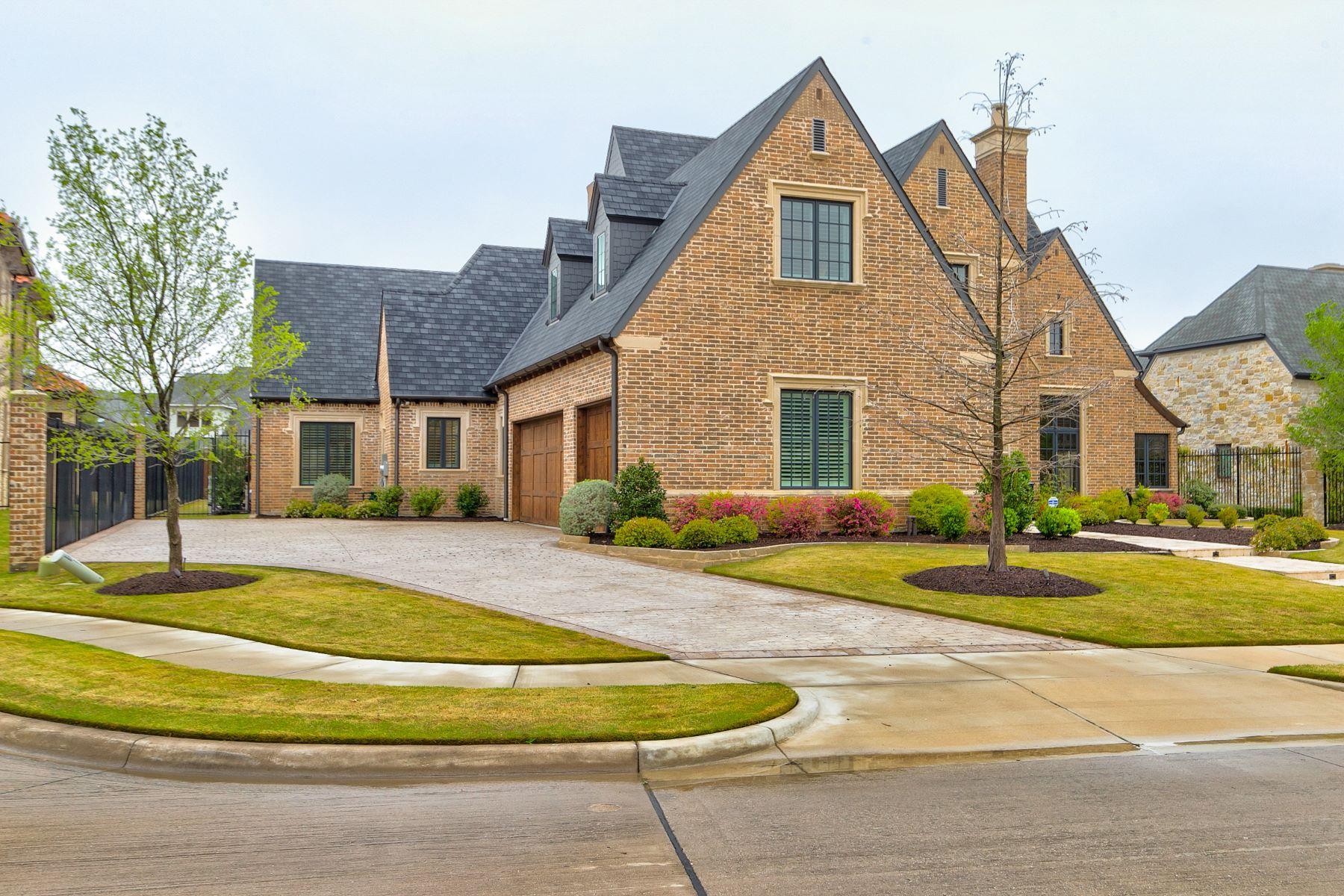 Single Family Homes für Verkauf beim Luxurious Home in Normandy Estates 6805 Mulhouse Court, Plano, Texas 75024 Vereinigte Staaten