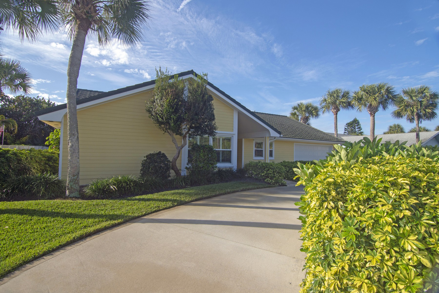 Single Family Home for Sale at Four Bedroom Home with Deeded Beach Access 1371 Sea Hawk Lane Vero Beach, Florida 32963 United States