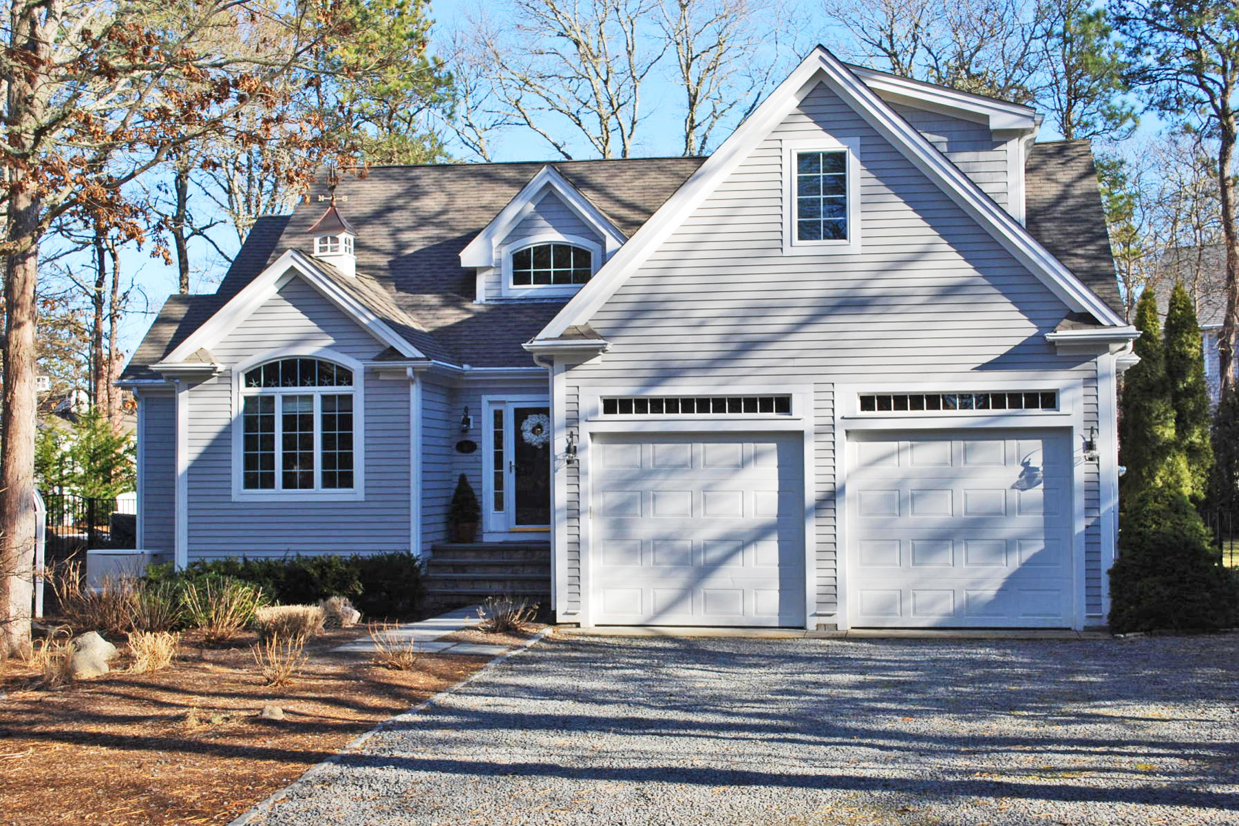 Single Family Homes for Sale at SUMMERSEA WATERVIEW CONTEMPORARY 11 Sand Dollar Lane New Seabury, Massachusetts 02649 United States