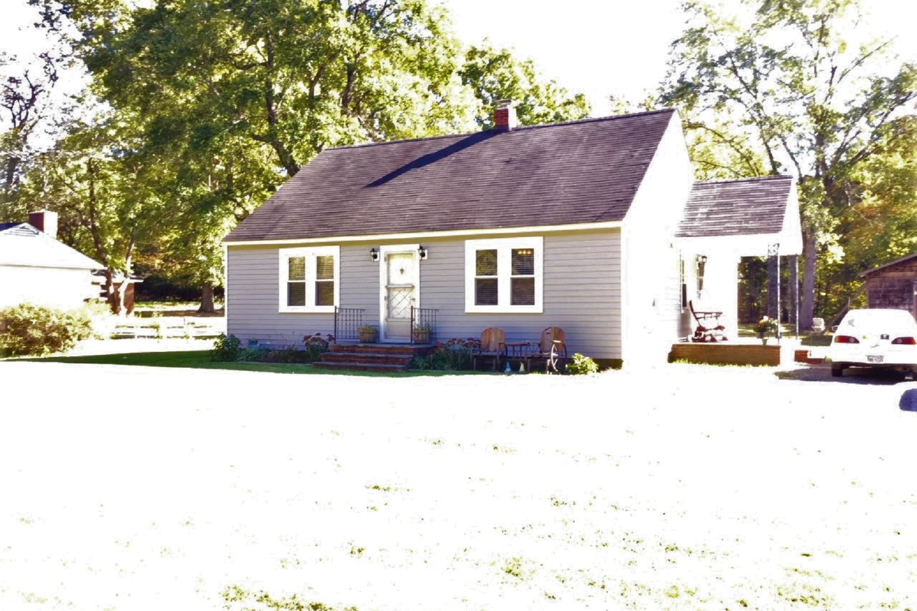 Single Family Homes for Active at 20456 Constitution Hwy Orange, Virginia 22960 United States