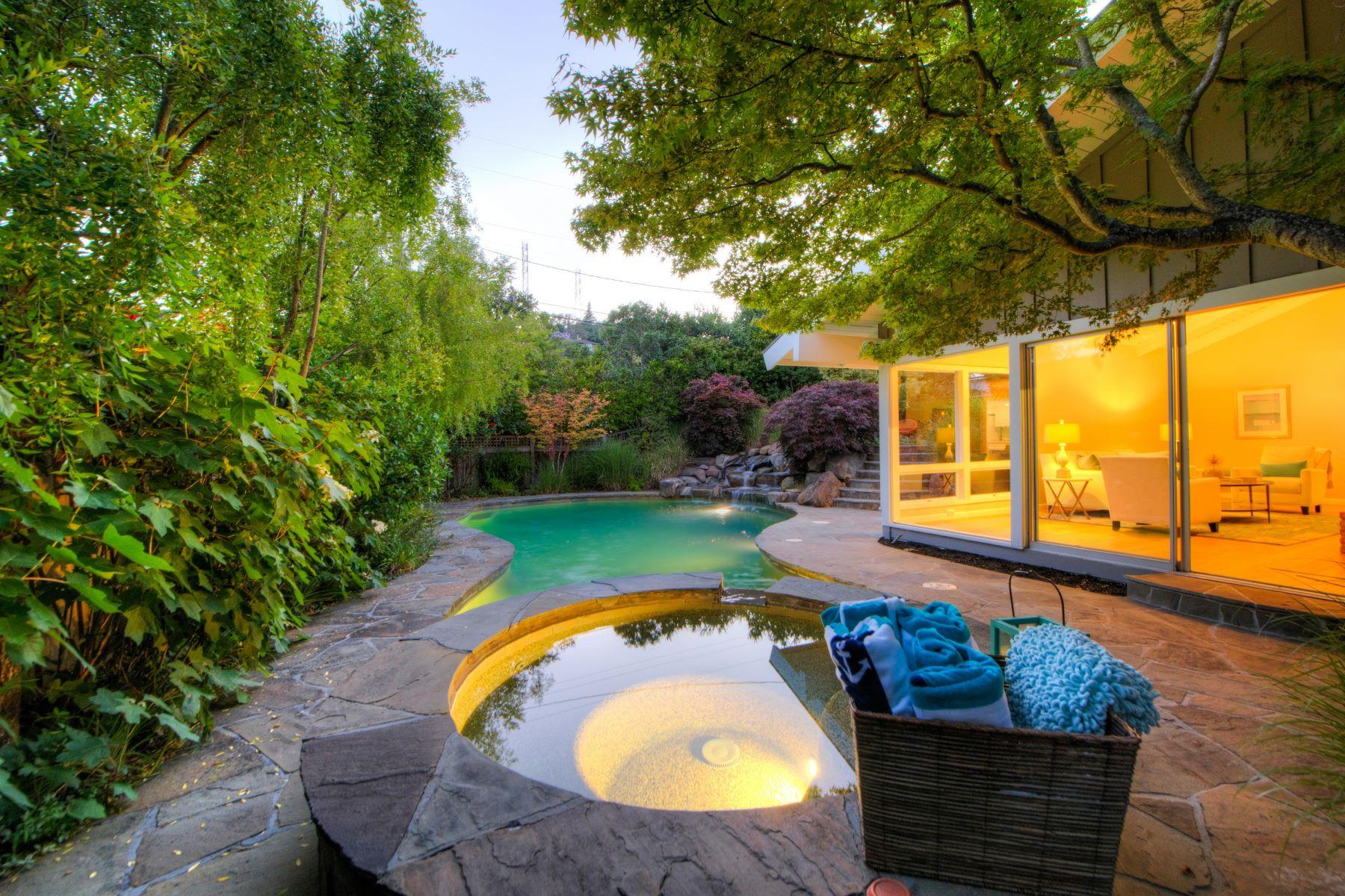 獨棟家庭住宅 為 出售 在 One Level Private Resort-Like Home! 26 Las Casas San Rafael, 加利福尼亞州, 94901 美國