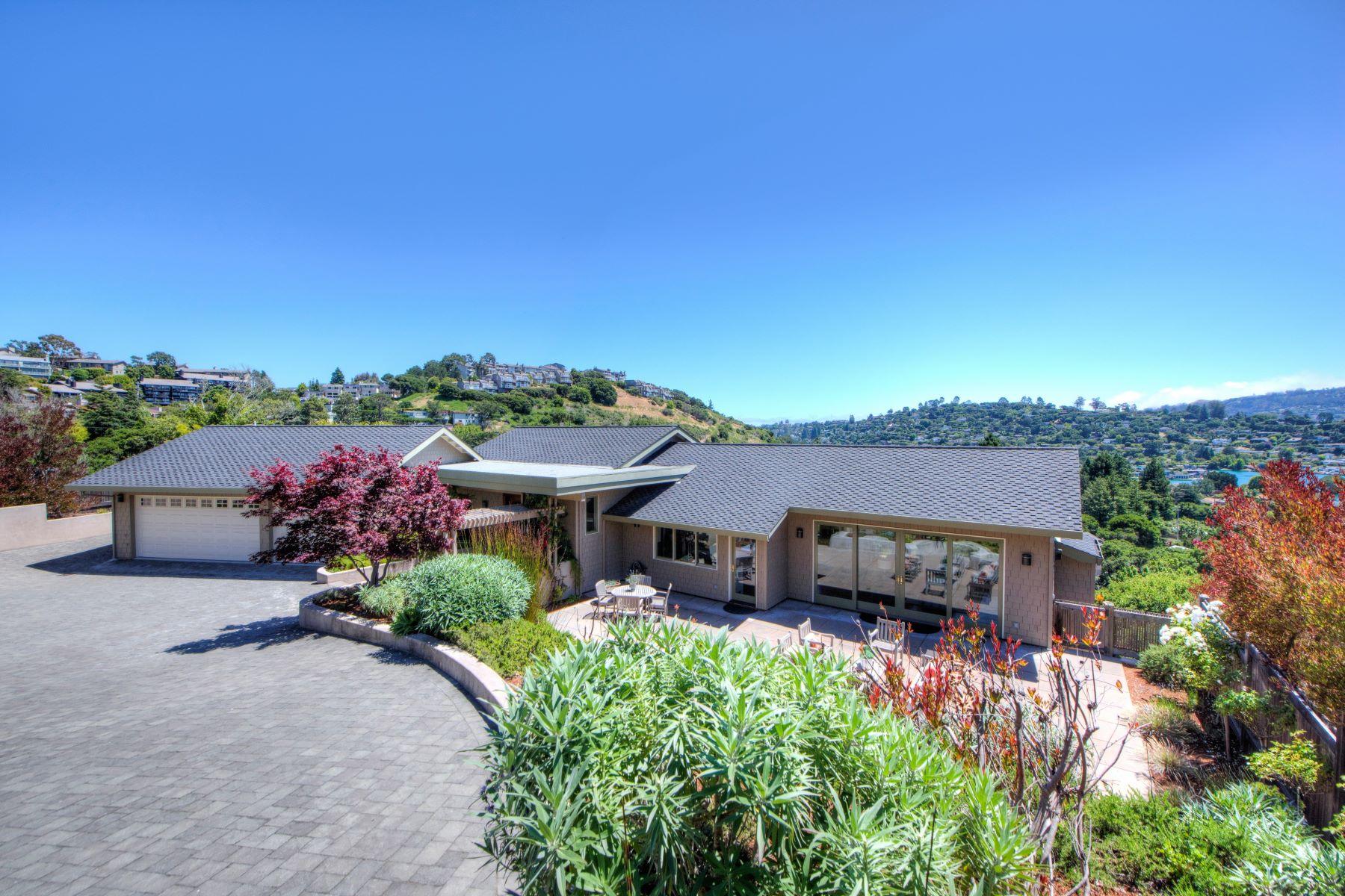 Tek Ailelik Ev için Satış at Gated Estate 79 Round Hill Road Tiburon, Kaliforniya, 94920 Amerika Birleşik Devletleri
