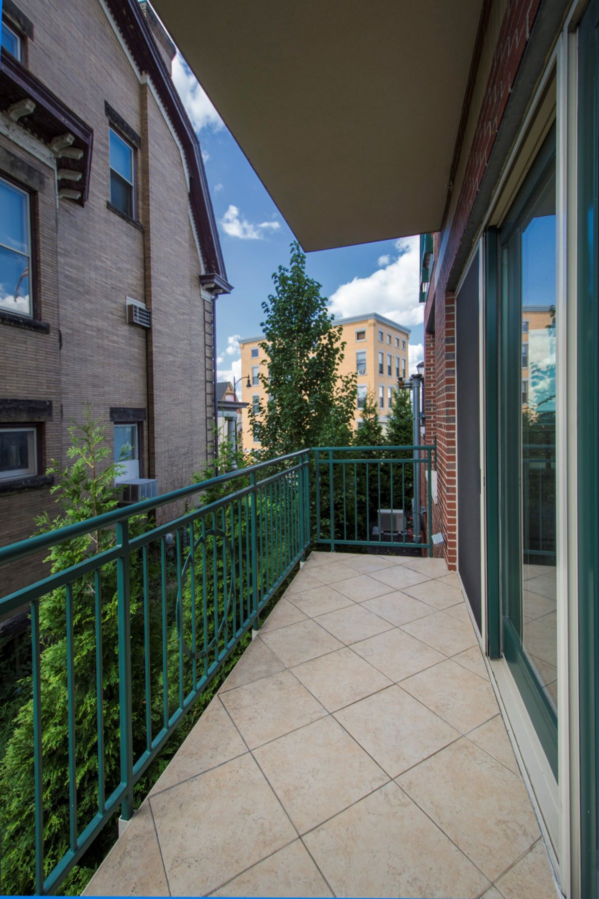 Additional photo for property listing at Mt. Washington Living at 501 Grandview, 2001 501 Grandview Unit 2002 Pittsburgh, Pennsylvania 15211 United States