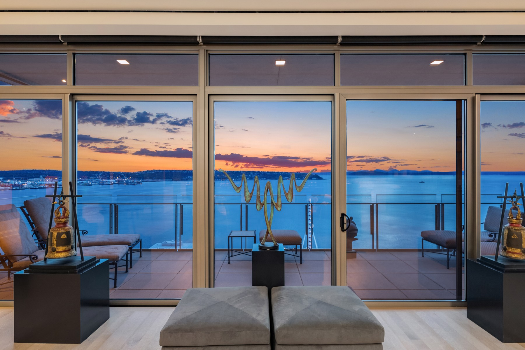 Condominiums for Sale at Four Seasons Private Residences #1801 99 Union St Unit #1801 Seattle, Washington 98101 United States