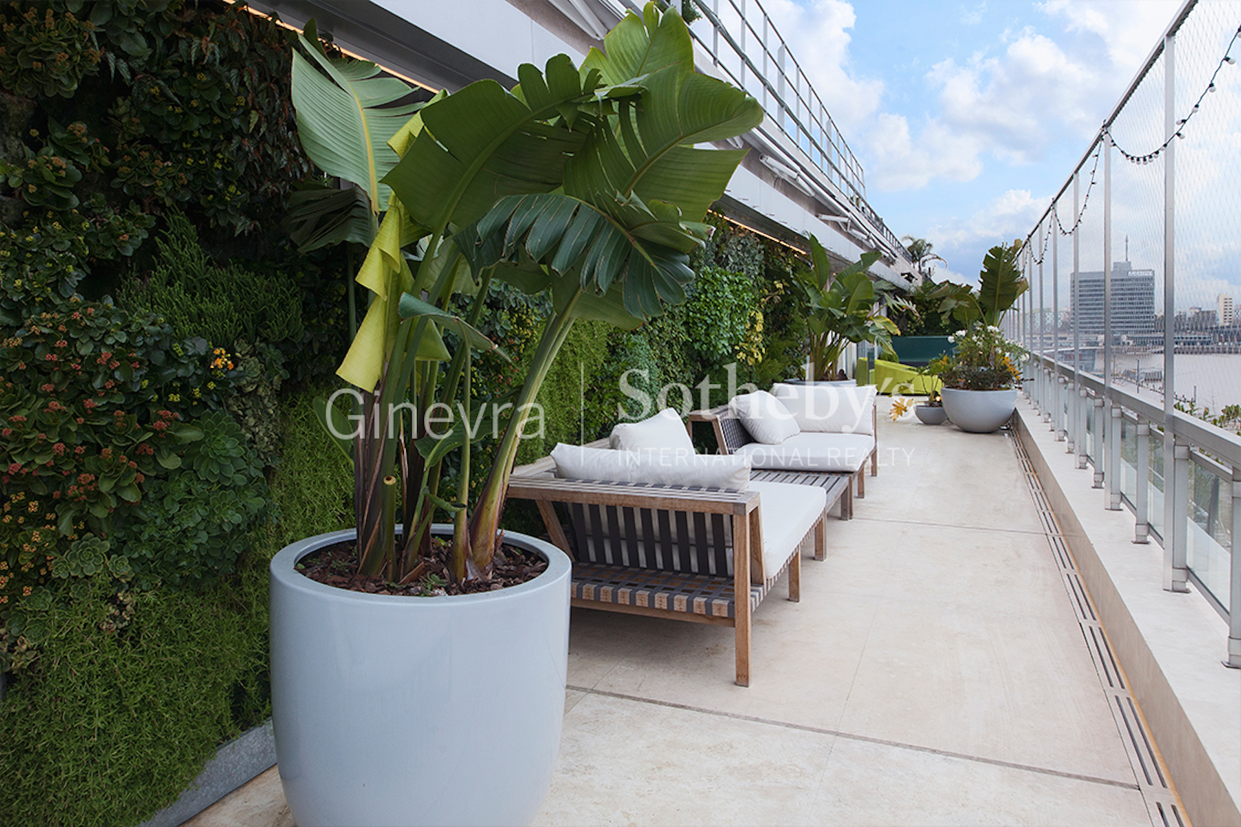 Additional photo for property listing at Exquisite Duplex for Sale - Cruceros Building Olga Cossettini Capital Federal, Buenos Aires 1107 Argentina