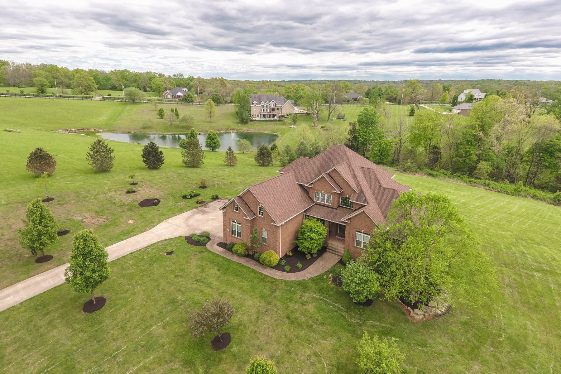 独户住宅 为 销售 在 4808 Morris Place 费希维尔, 肯塔基州, 40023 美国