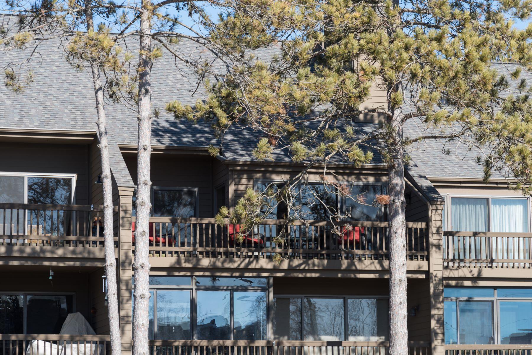 Nhà chung cư vì Bán tại Captivating Condominium 1745 Ottawa Beach Rd Holland, Michigan, 49423 Hoa Kỳ