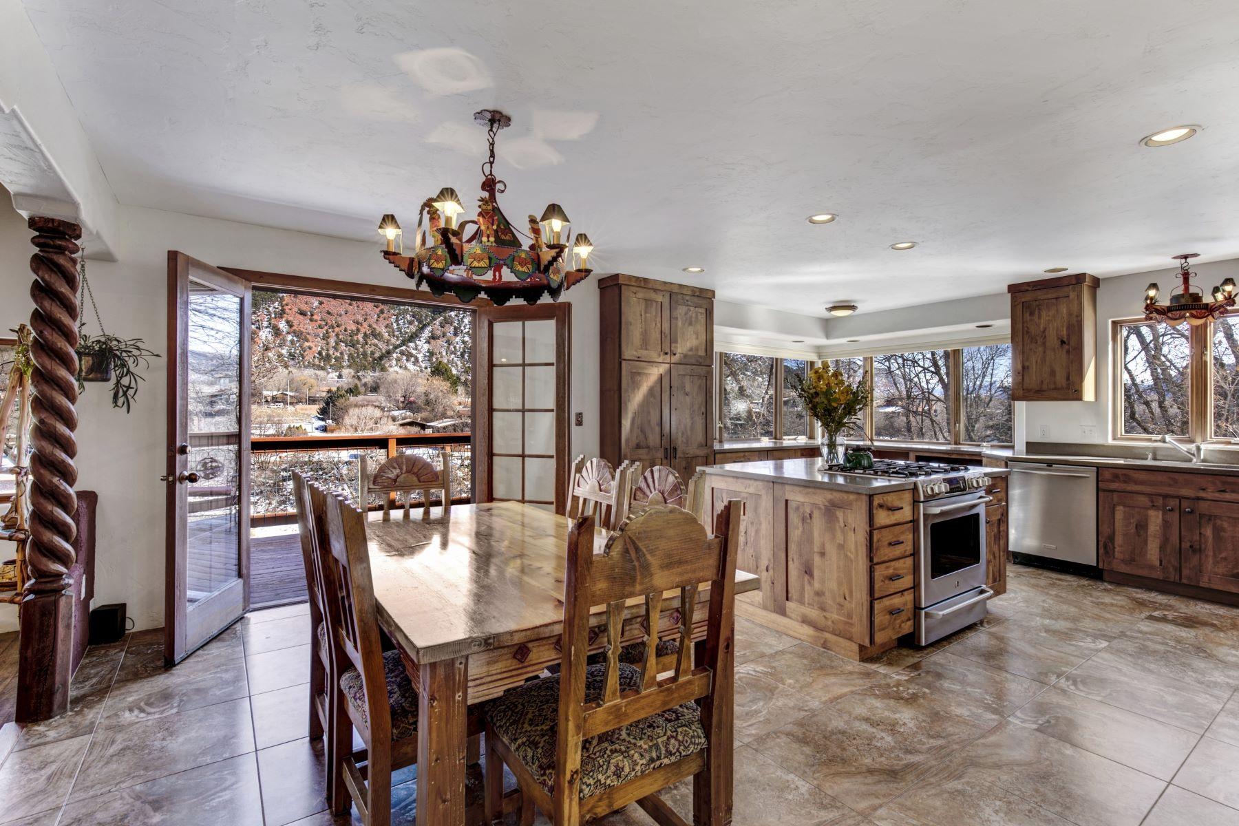 Casa para uma família para Venda às RIVER LIVING AT ITS FINEST! 2280 Midland Avenue, Glenwood Springs, Colorado, 81601 Estados Unidos
