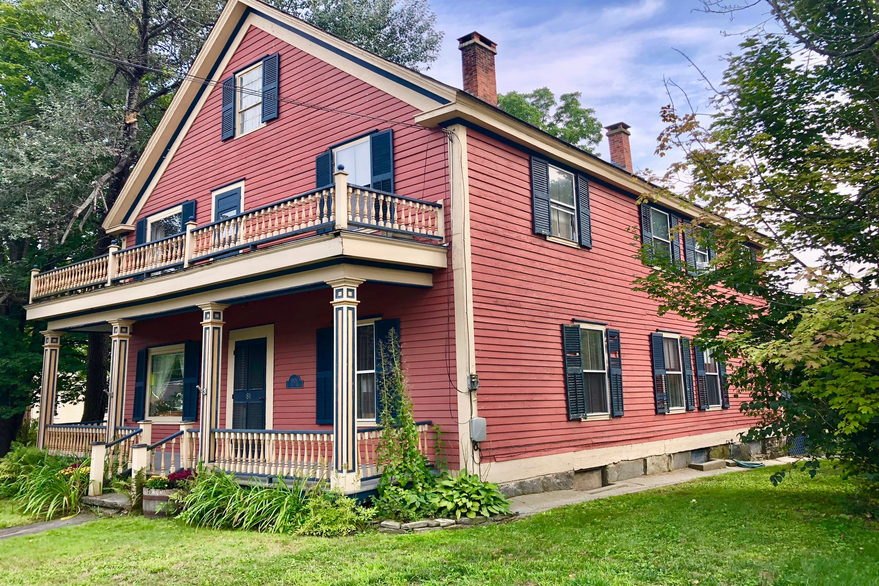 single family homes for Sale at C. 1820 Guy Earle House 81 Main Street St Chester, Vermont 05143 United States