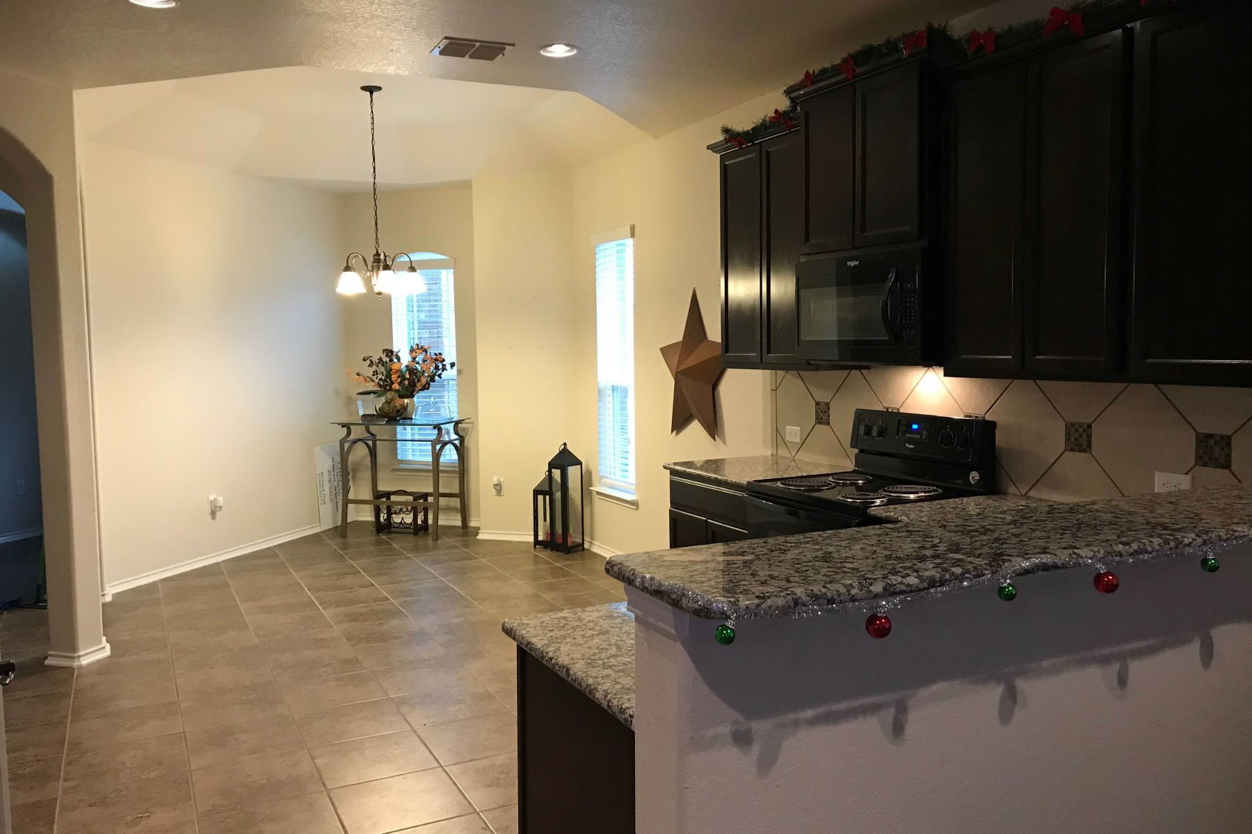 Additional photo for property listing at 1326 Crane Court 1326 Crane Court San Antonio, Texas 78245 Estados Unidos