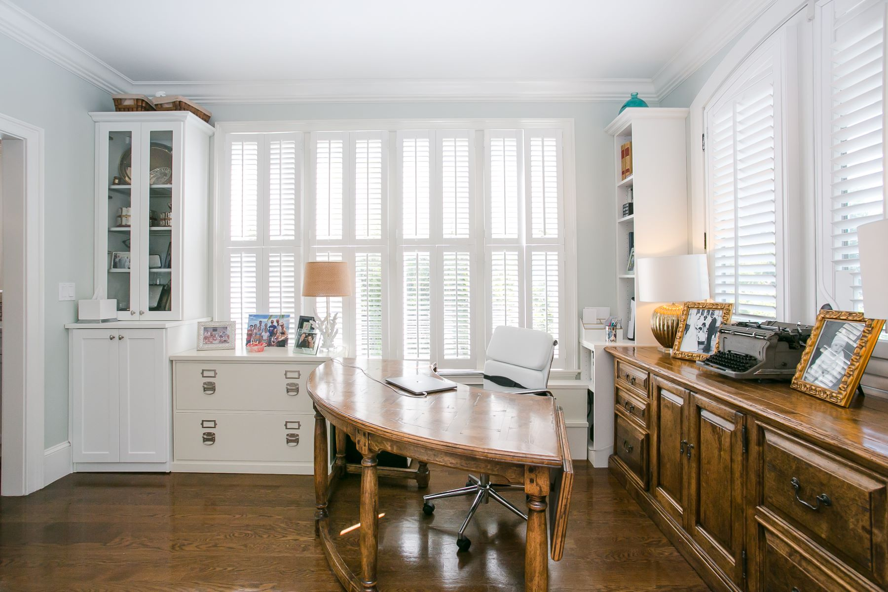 Additional photo for property listing at Renovated Historic Hill Victorian 21 Kay Street Newport, Rhode Island 02840 United States
