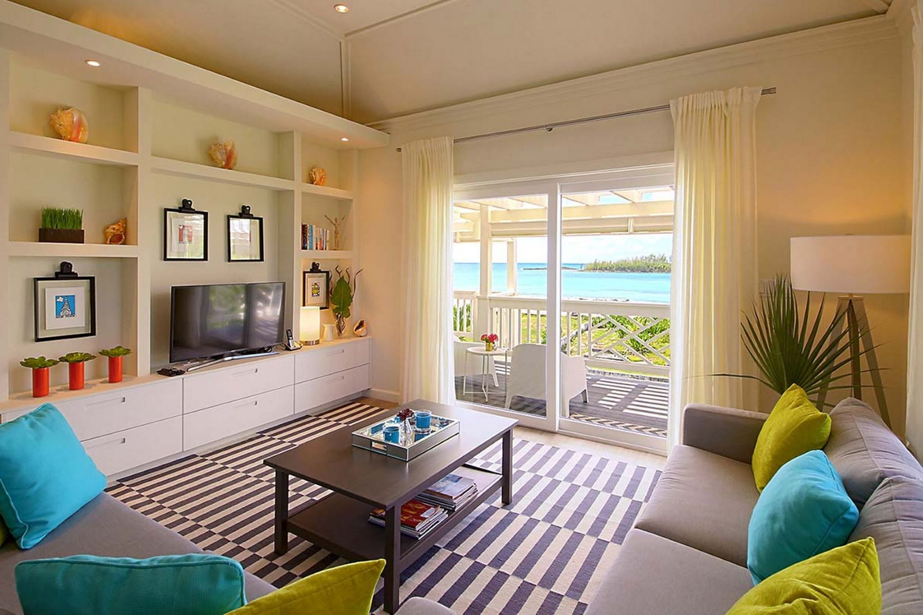 Property 용 매매 에 Modern Apartment with Outstanding Views of Anchor Bay Governors Harbour, 엘레우테라섬 바하마