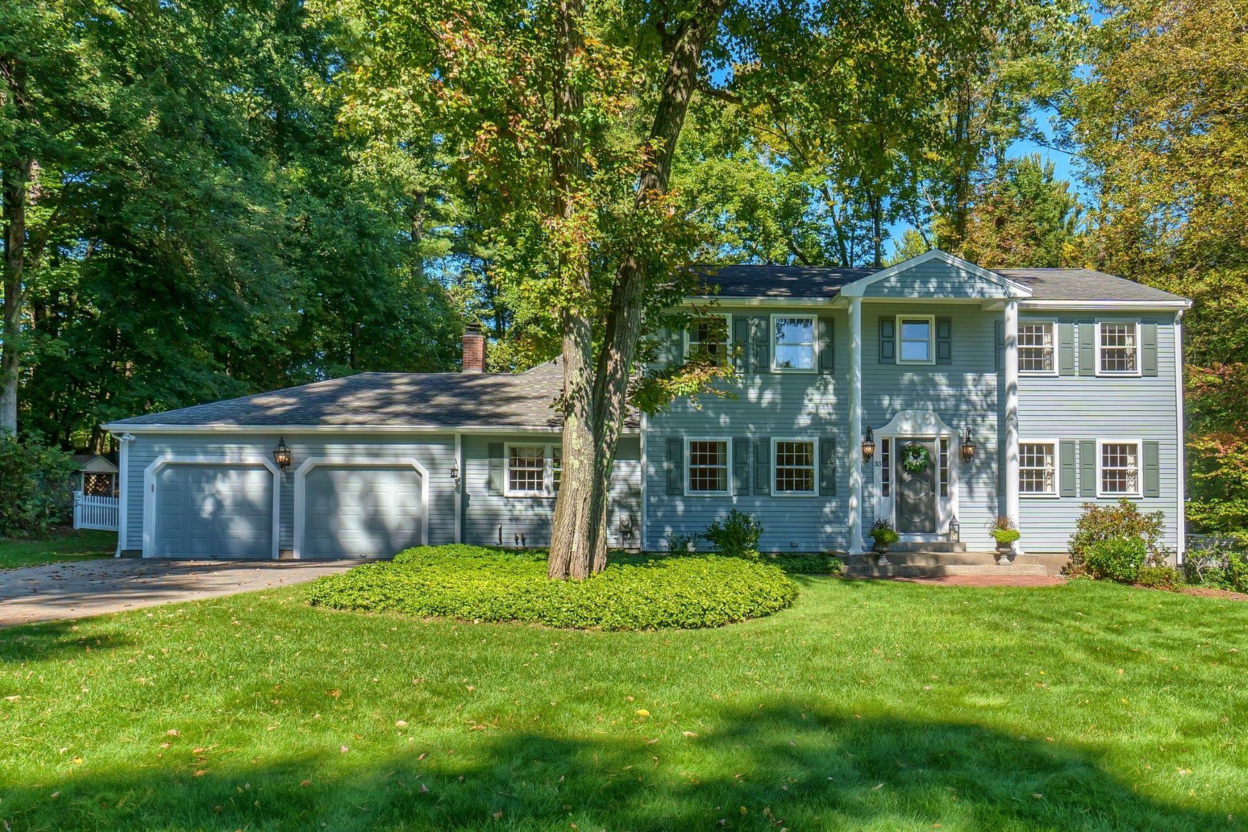 Single Family Homes por un Venta en 33 Old Village Road Acton, Massachusetts 01720 Estados Unidos
