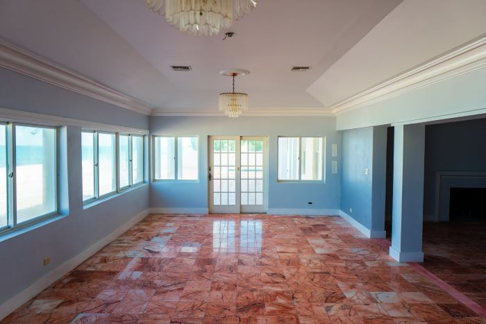West Bay Street Opportunity in Cable Beach