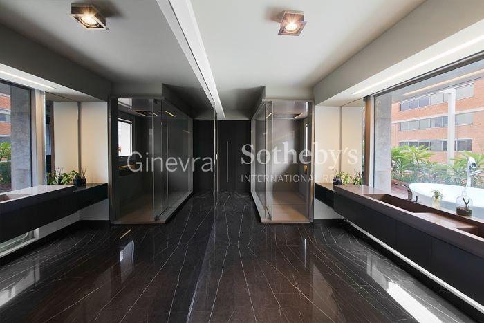 Exquisite Duplex for Sale - Cruceros Building