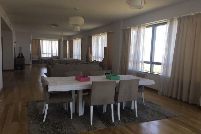 Elegant apartment in El Faro building