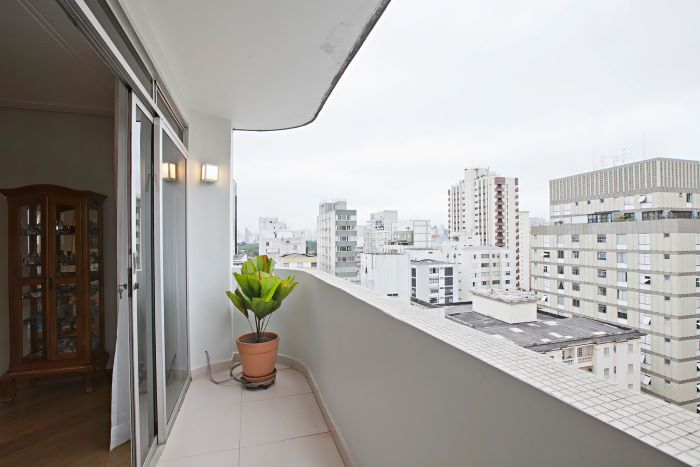 Remodeled Duplex Penthouse at a Great Location