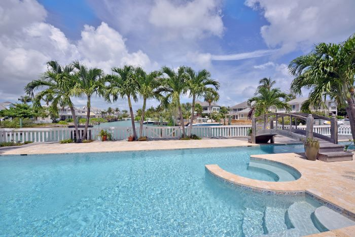 Governors Cay, Sandyport