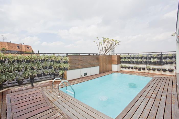 Dazzling Penthouse at Alto de Pinheiros Neighborhood