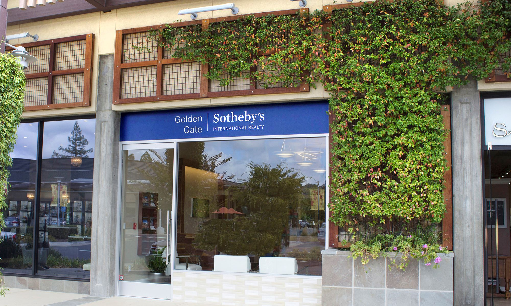 Office Golden Gate Sotheby's International Realty Photo