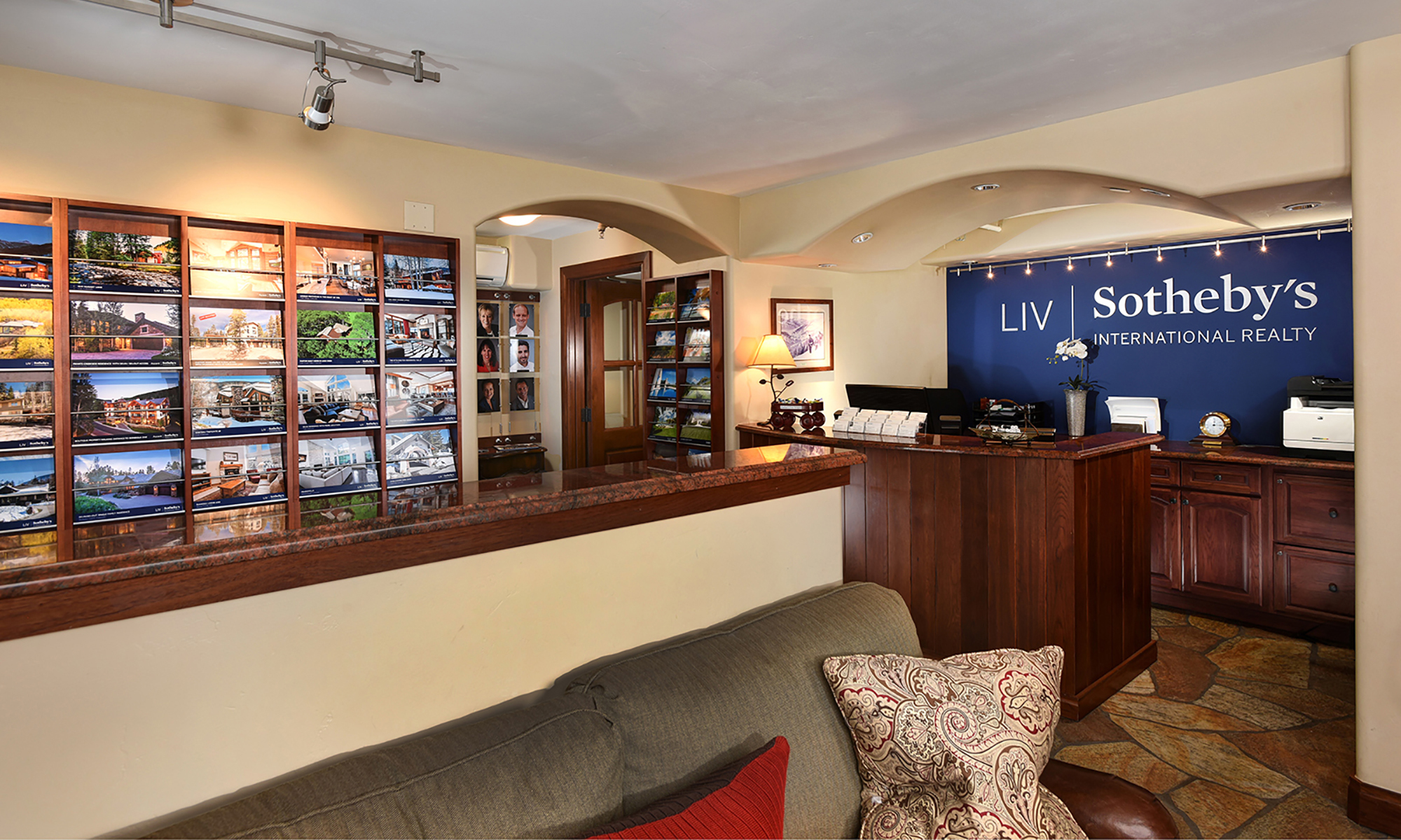 Office LIV Sotheby's International Realty Photo