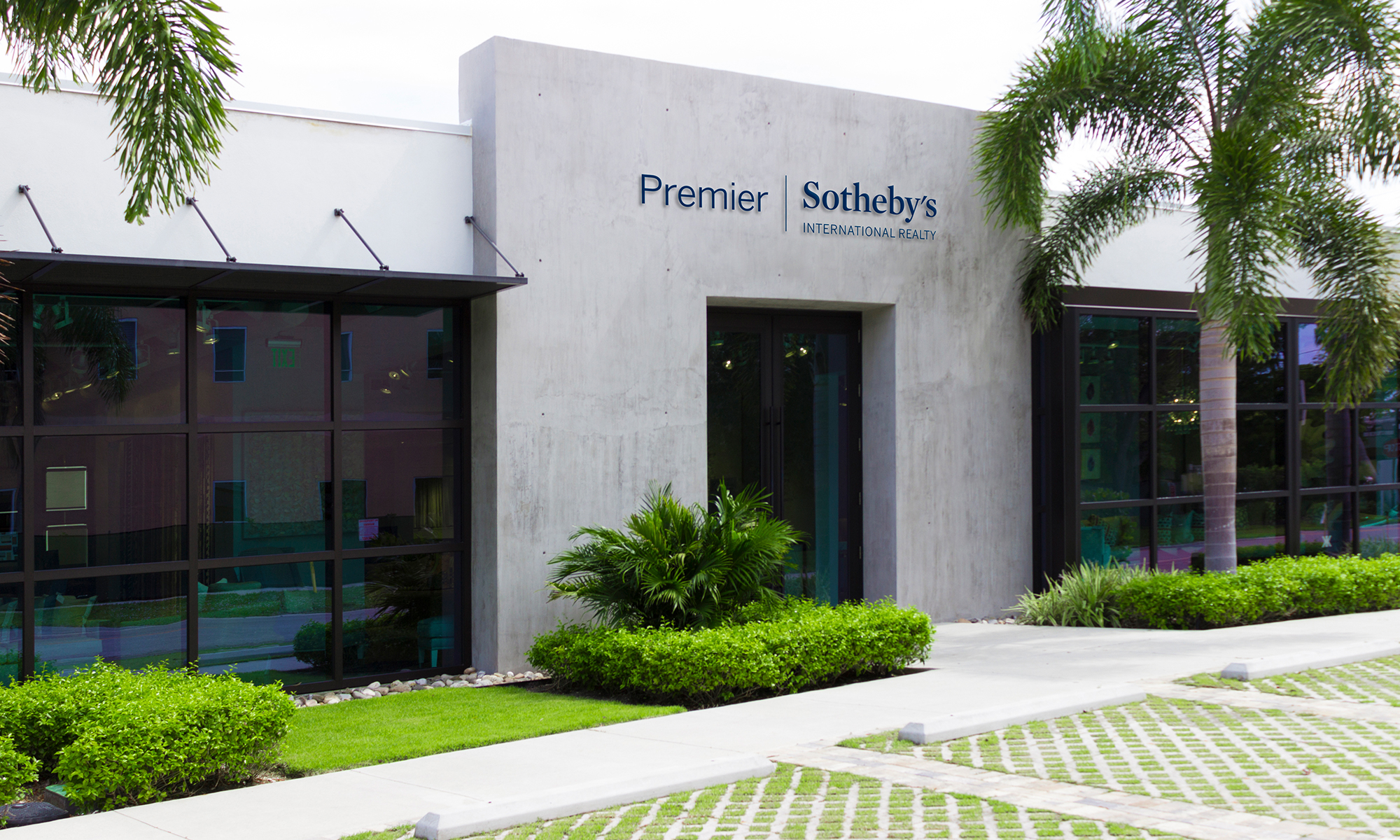 Office Premier Sotheby's International Realty Harbour Point Photo