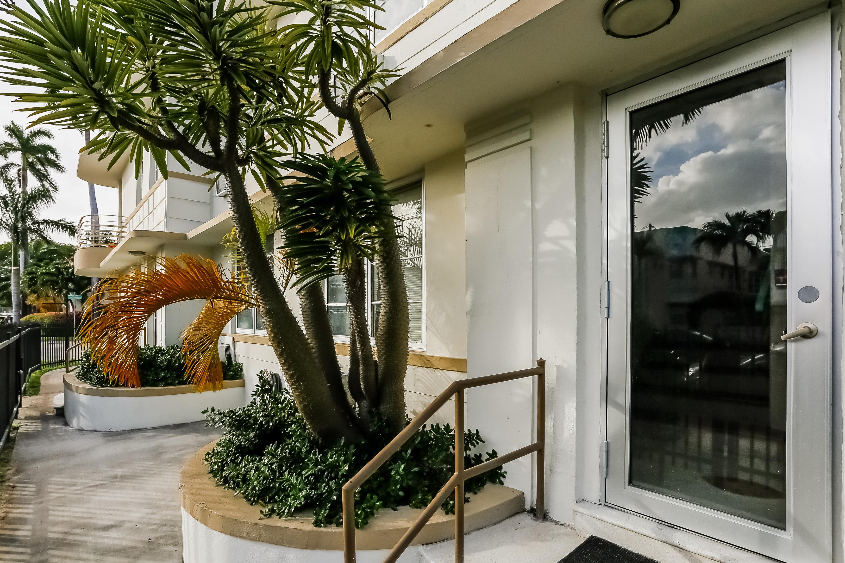 Autre résidentiel pour l Vente à 529 15th St Miami Beach, Florida, 33139 États-Unis