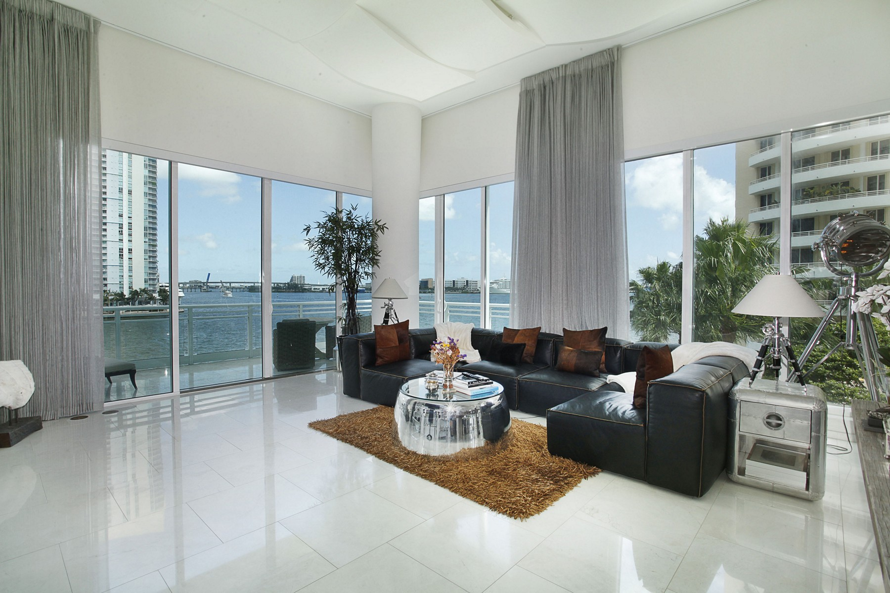 Condominium for Sale at 900 Brickell Key BL #403/503 900 Brickell Key Bl 4/503 Miami, Florida, 33131 United States